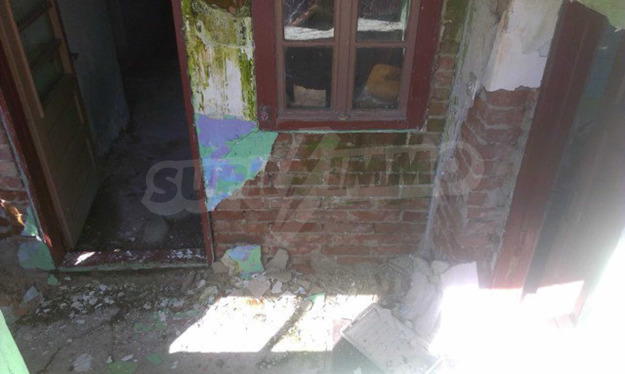 Two-storey village house with 1400 sq.m. yard 15
