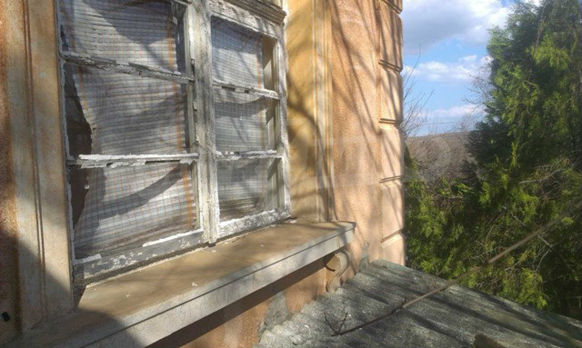 Two-storey village house with 1400 sq.m. yard 23