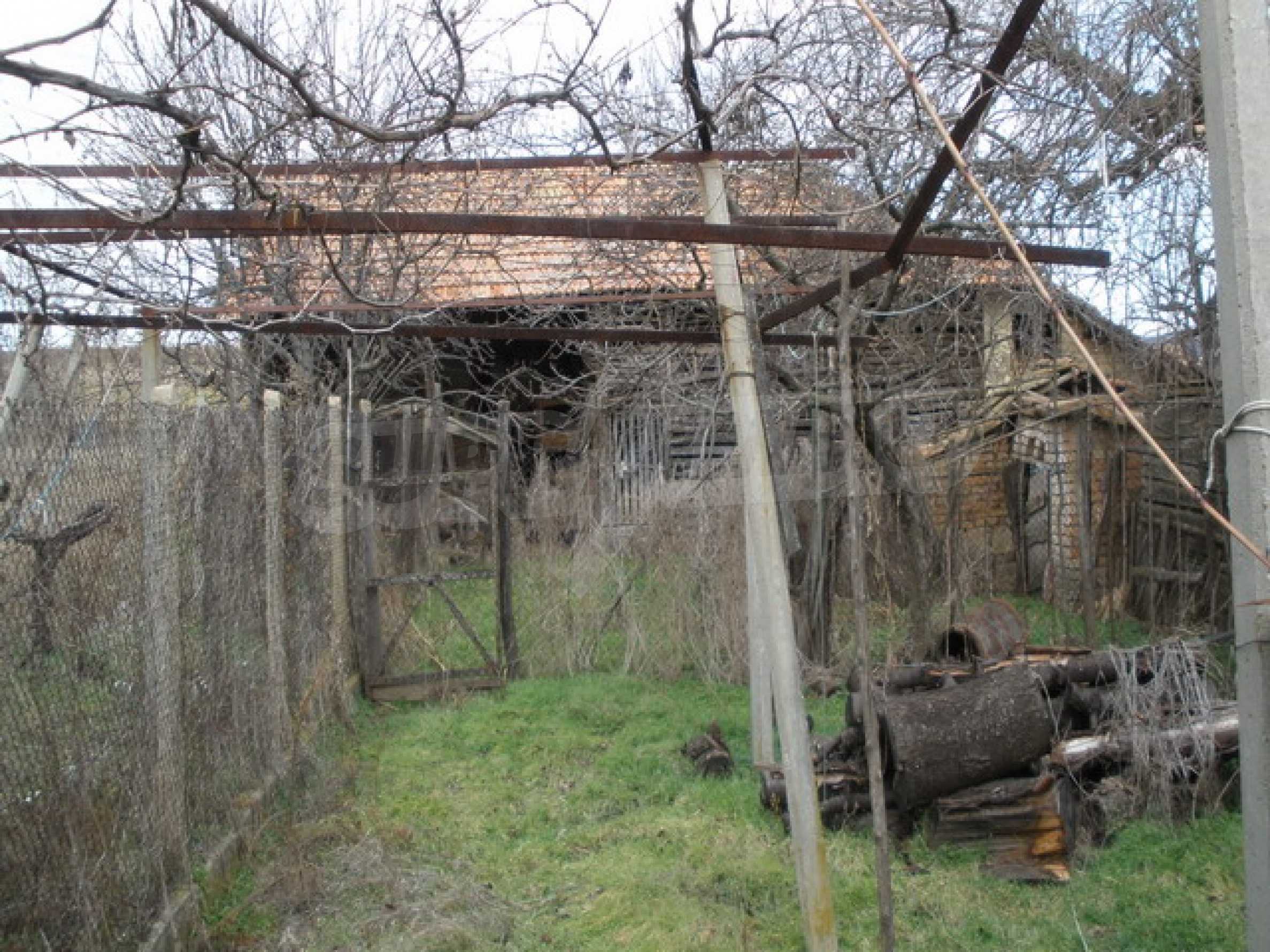 Two-storey village house with 1400 sq.m. yard 3