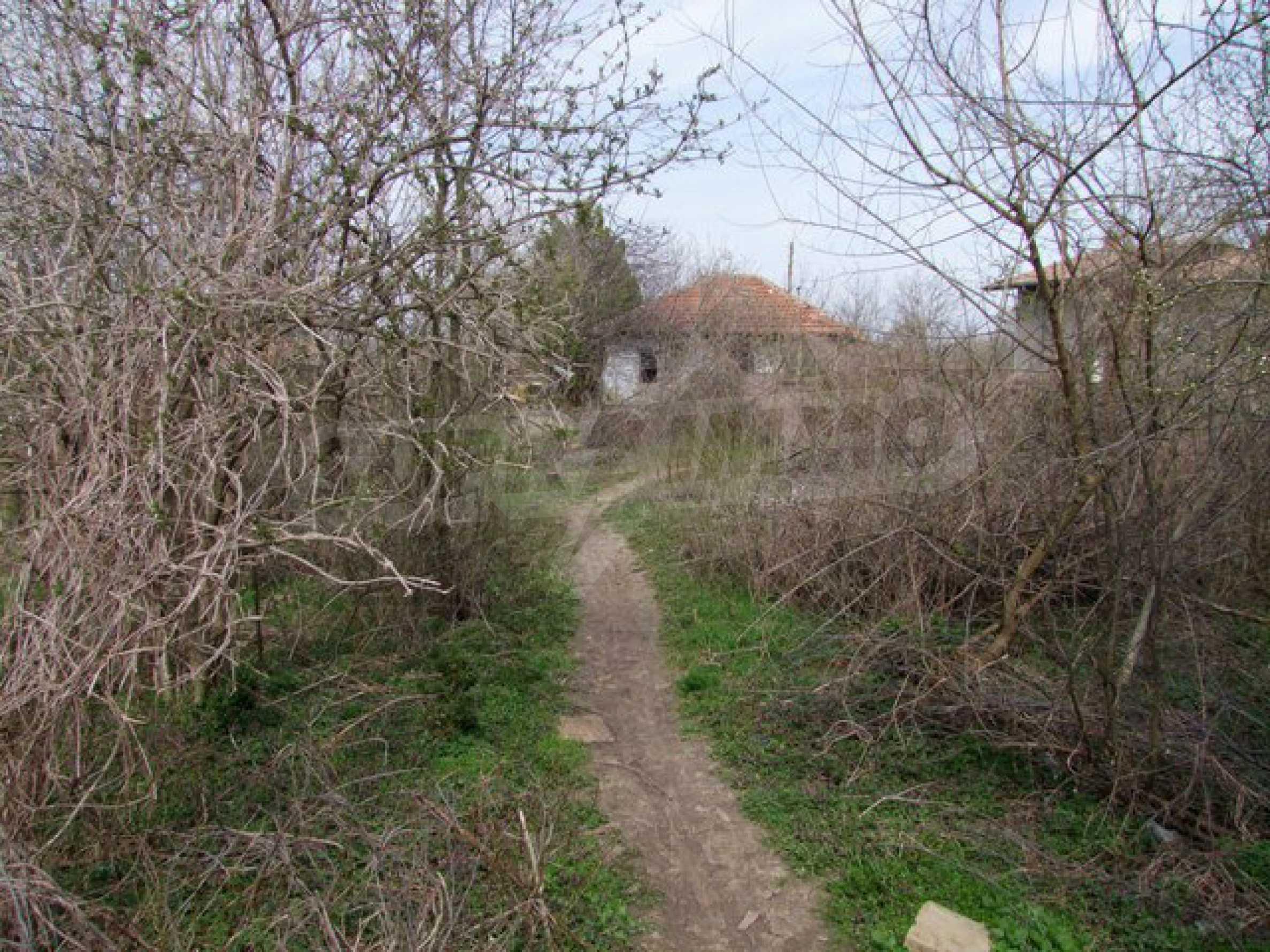 Schnäppchenanwesen mit großem Garten 14