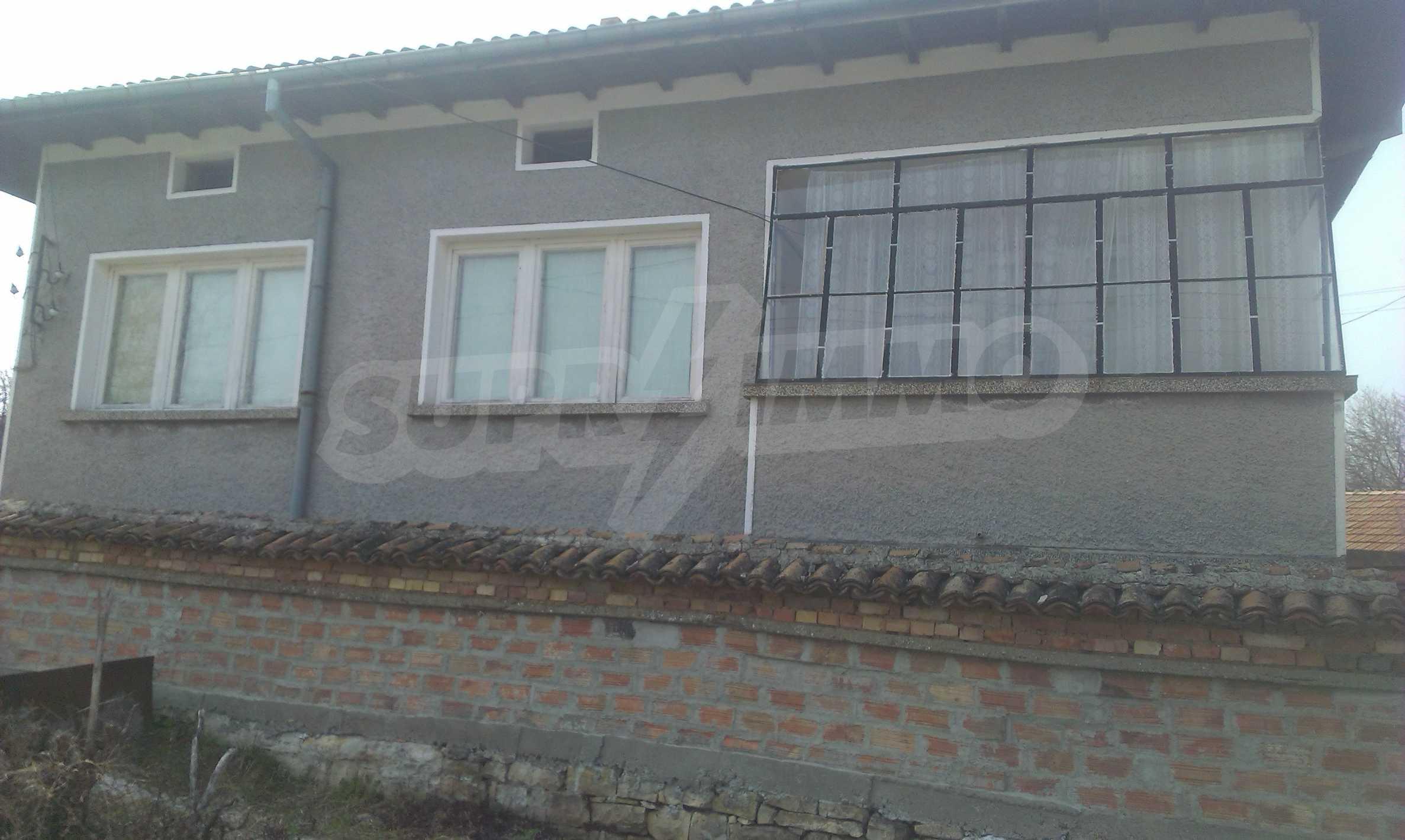 Großes zweistöckiges Backsteinhaus in einem Dorf 40 km von Veliko Tarnovo entfernt 23
