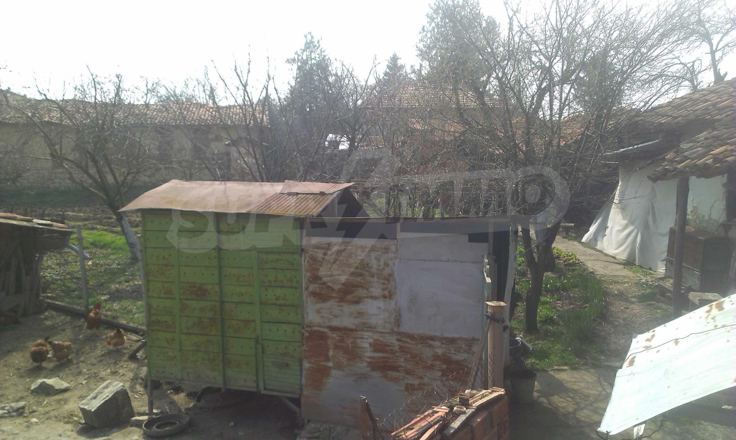 Großes zweistöckiges Backsteinhaus in einem Dorf 40 km von Veliko Tarnovo entfernt 66