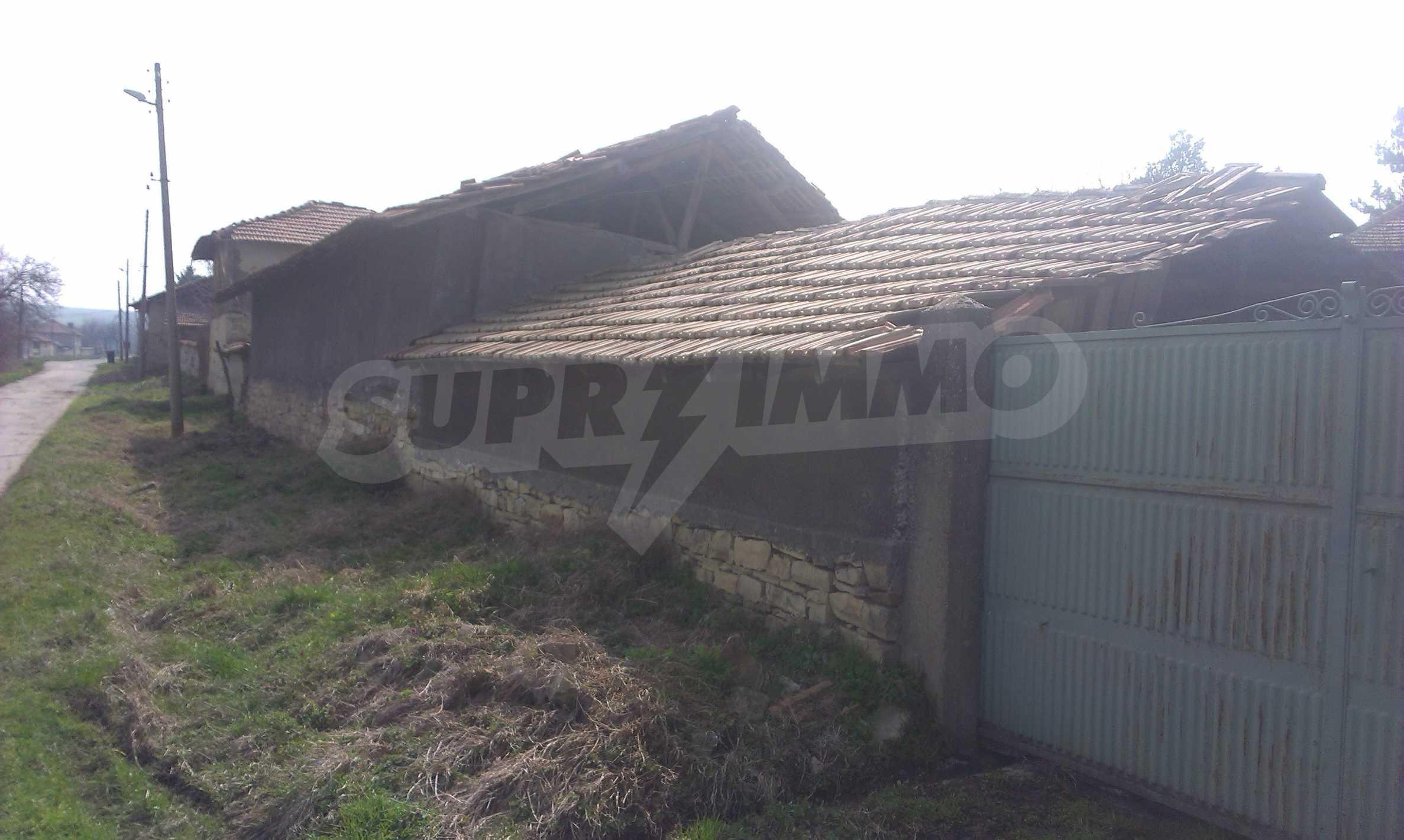 Großes zweistöckiges Backsteinhaus in einem Dorf 40 km von Veliko Tarnovo entfernt 68