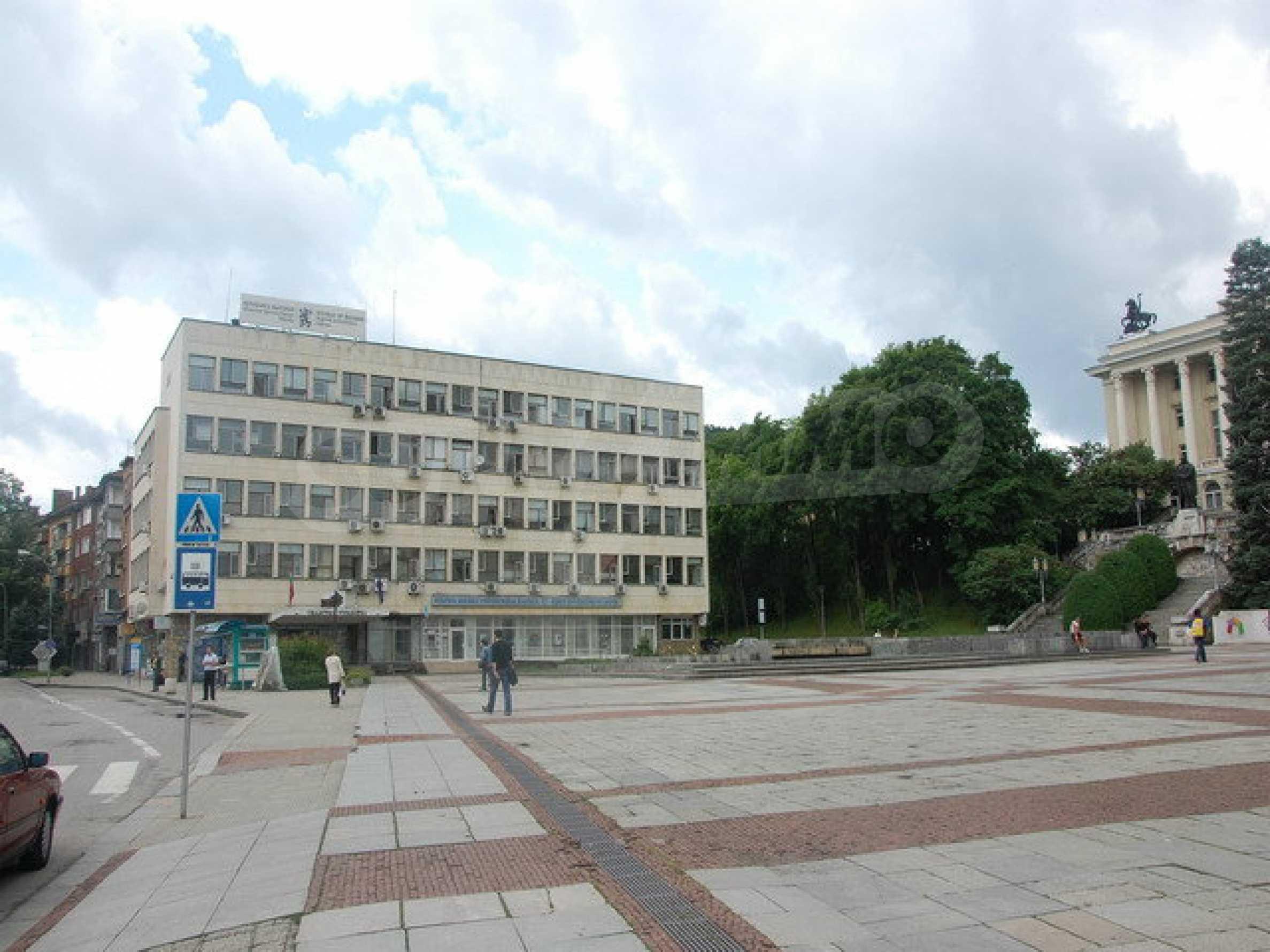Етаж от офис сграда в центъра град Габрово 2