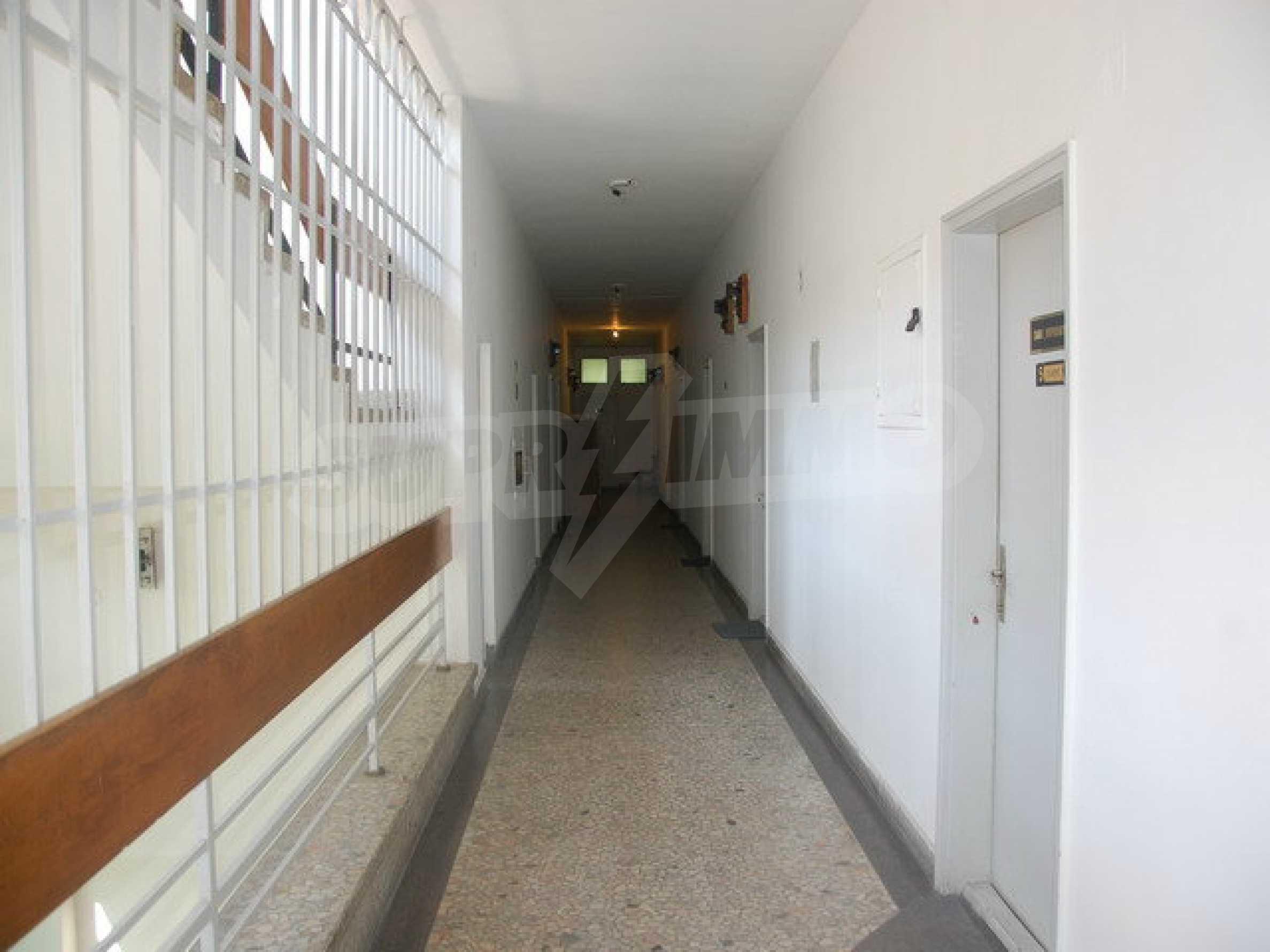 Етаж от офис сграда в центъра град Габрово 5