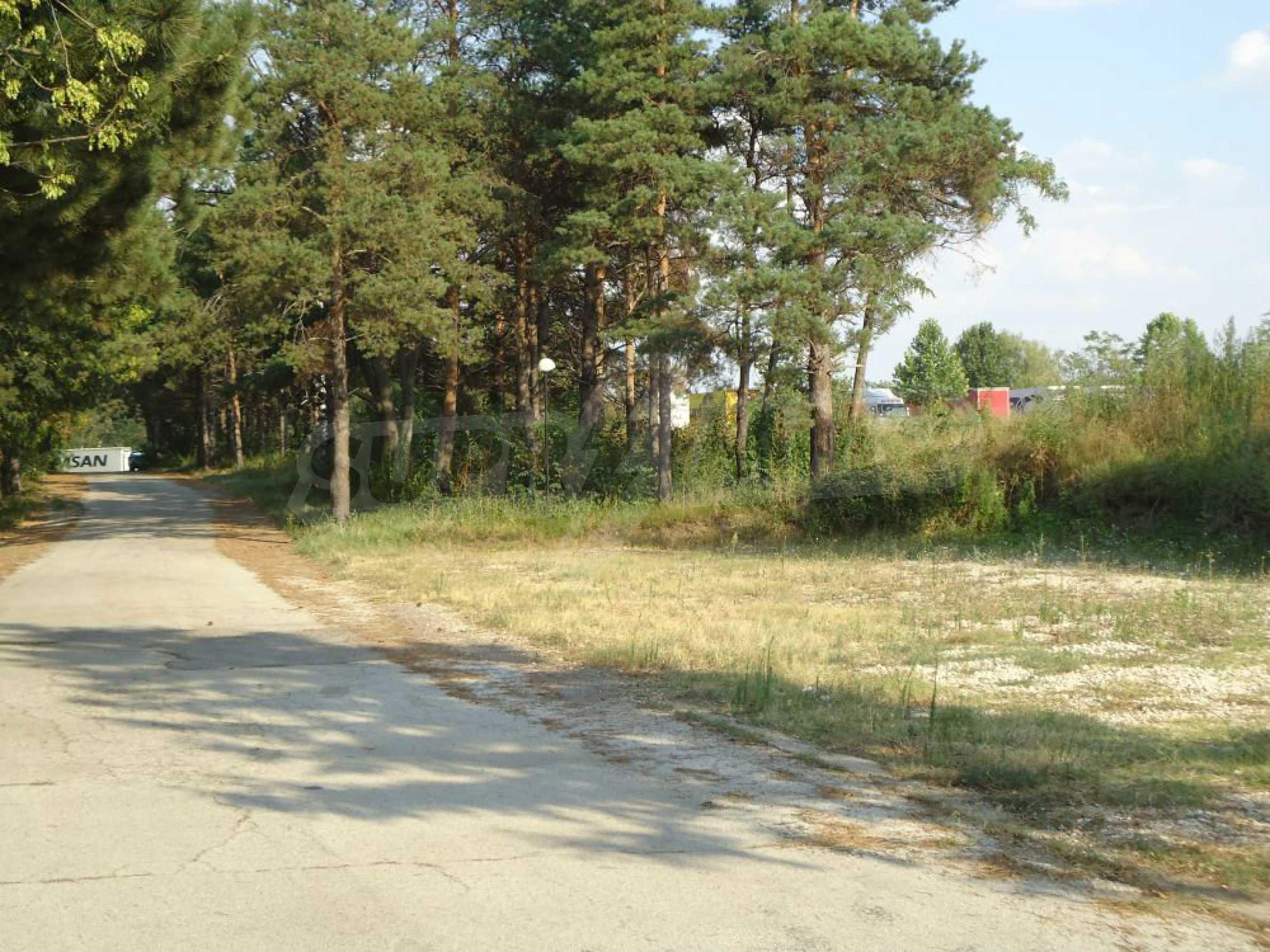Ackerland in der Nähe der Hauptstraße Rousse-Sofia 1