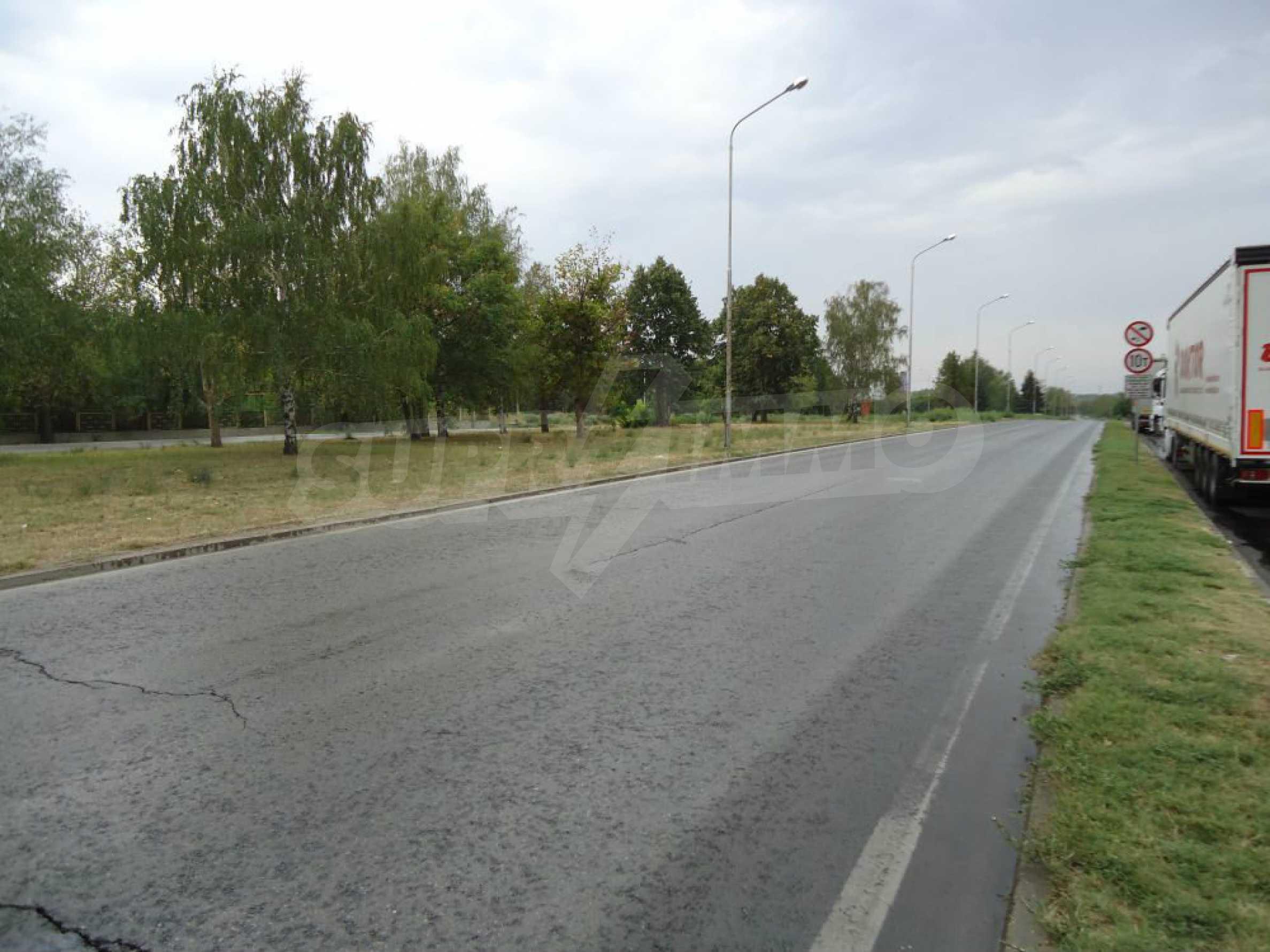 Ackerland in der Nähe der Hauptstraße Rousse-Sofia 3