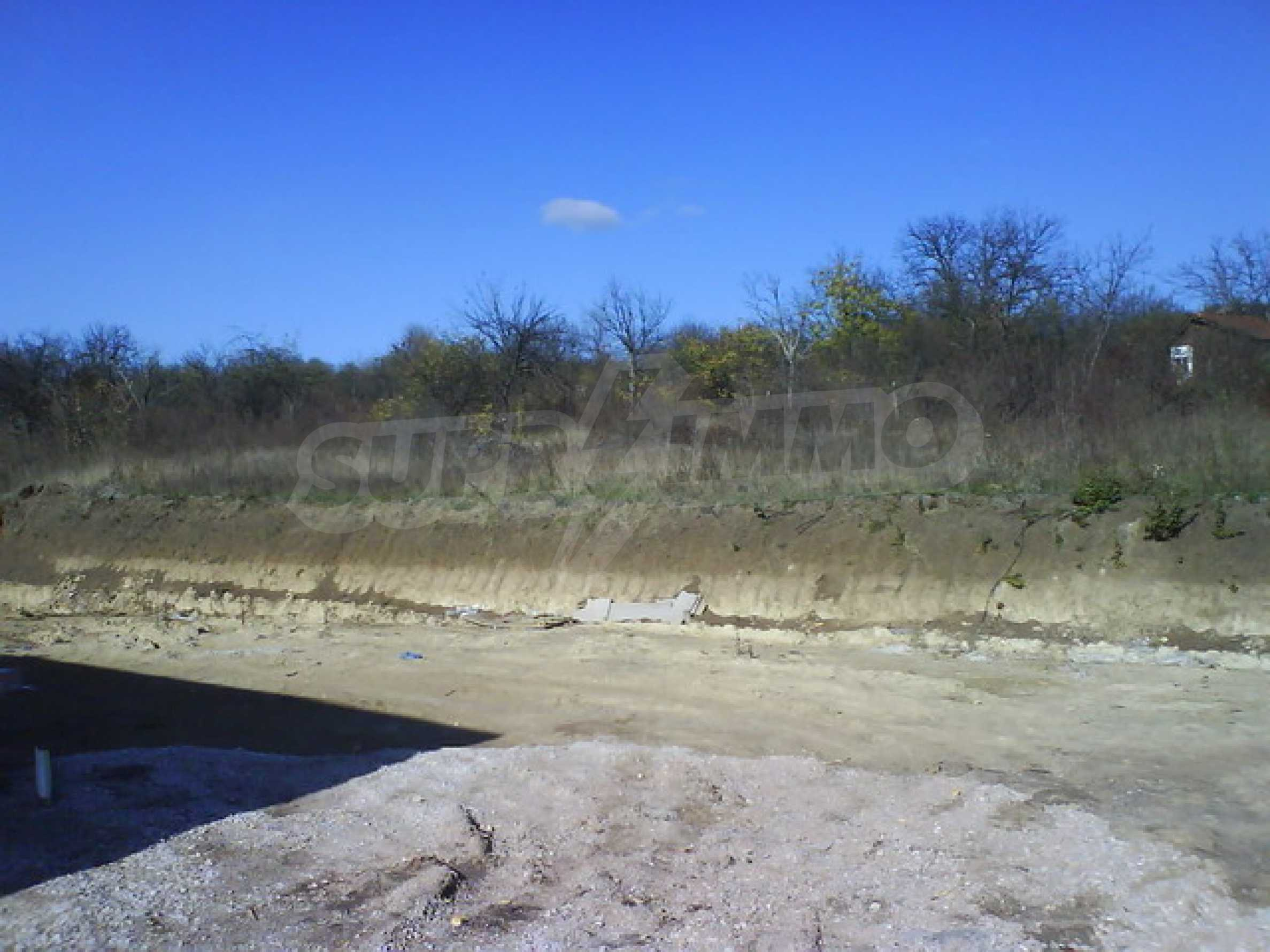 Земельный участок в г. Велико Тырново 7