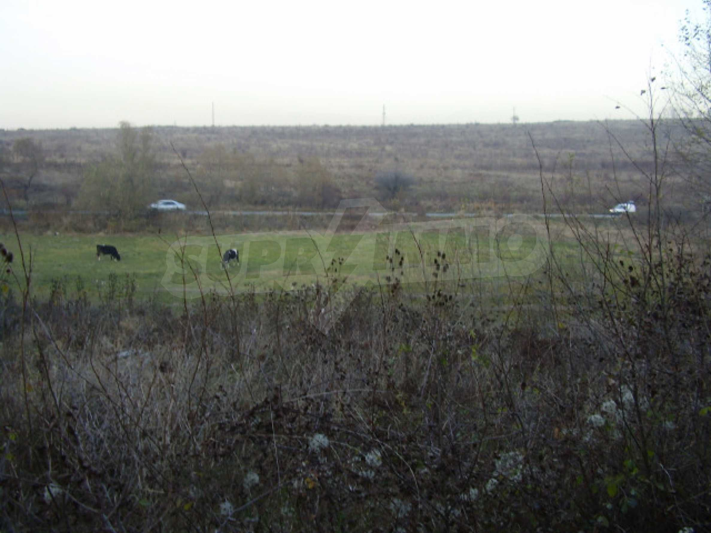 Земельный участок вблизи Софии 2