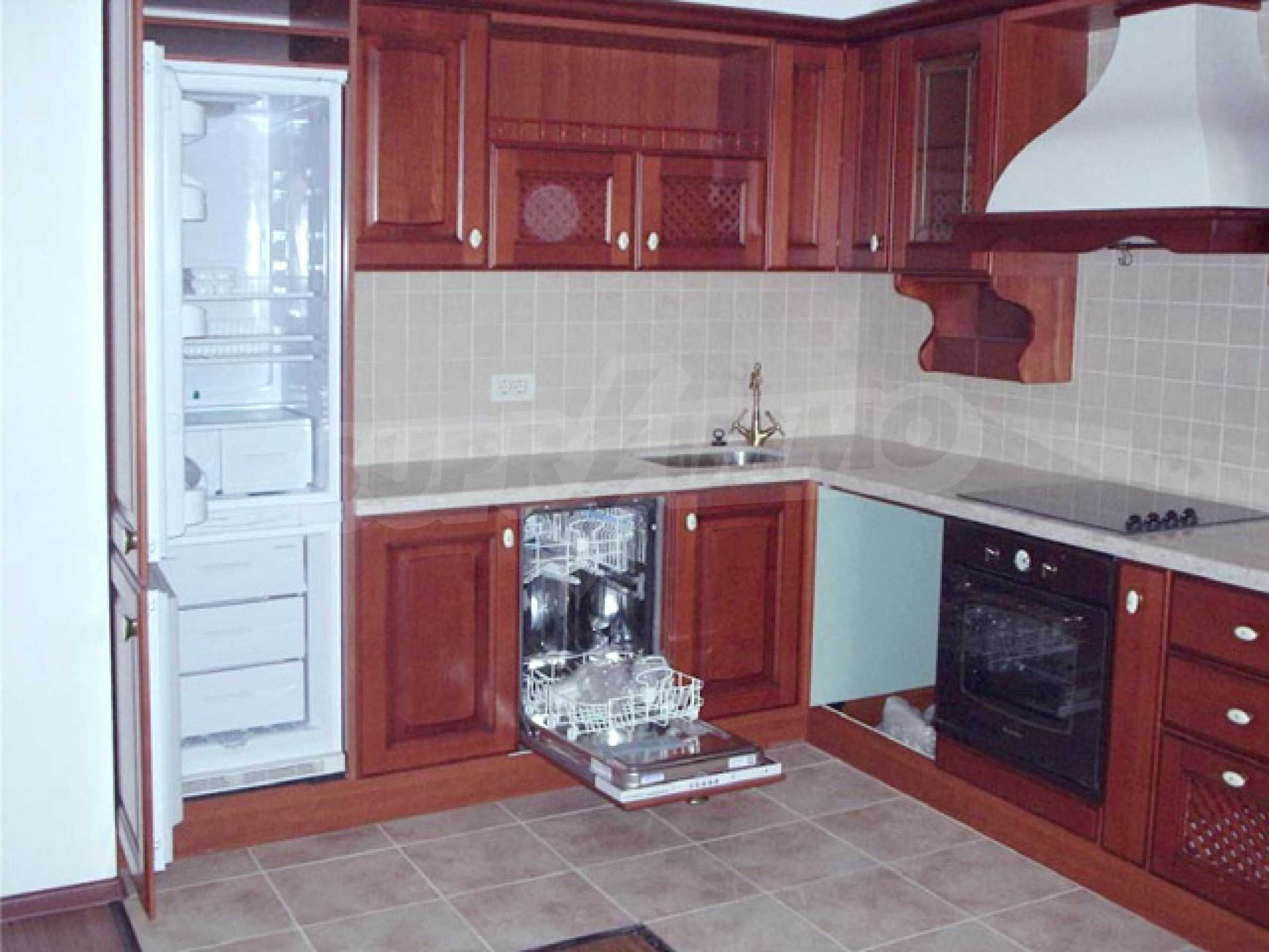 2-bedroom apartment in Port Palace  12