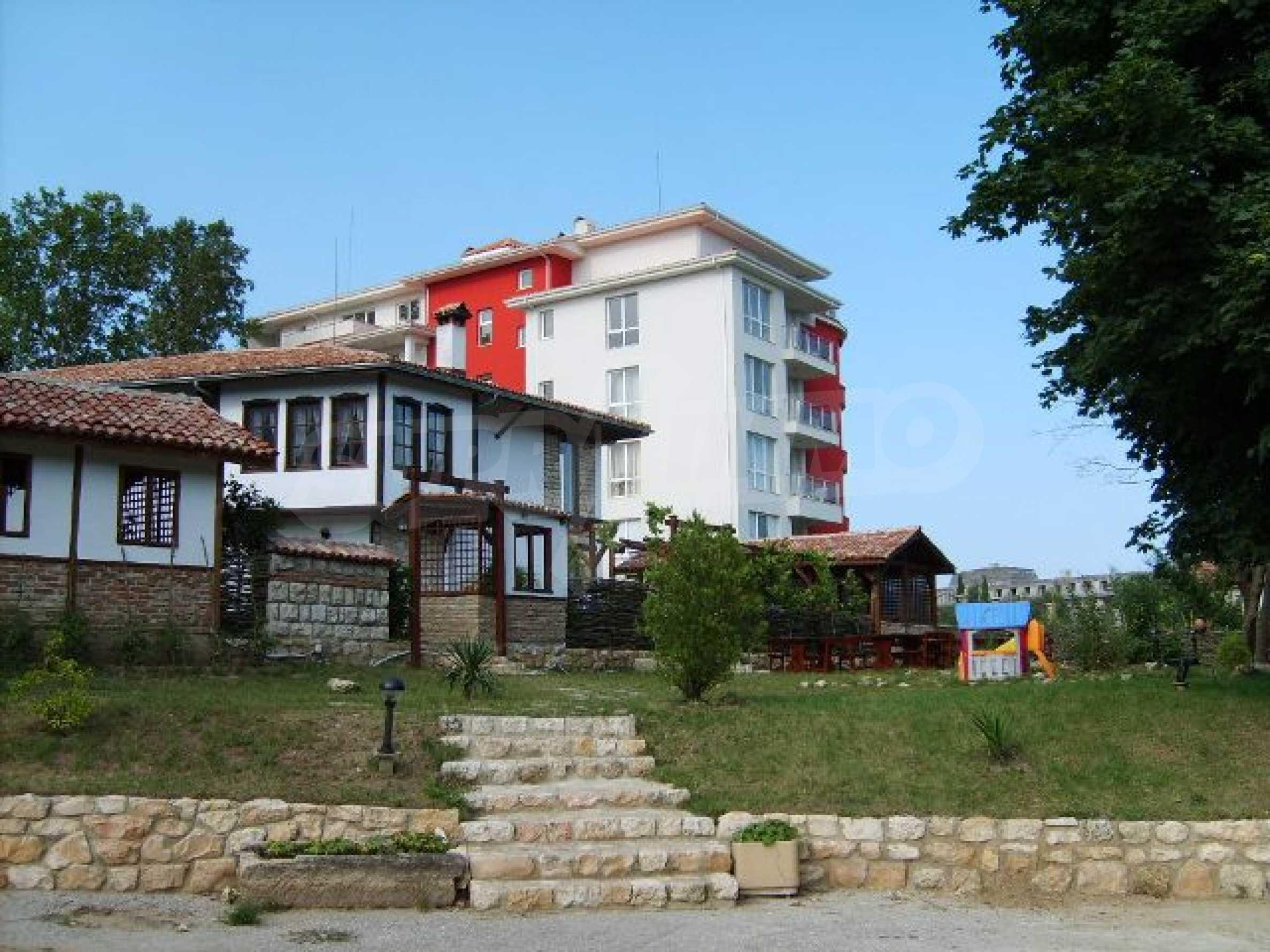 Элитная квартира, расположенная на море в курорте 1