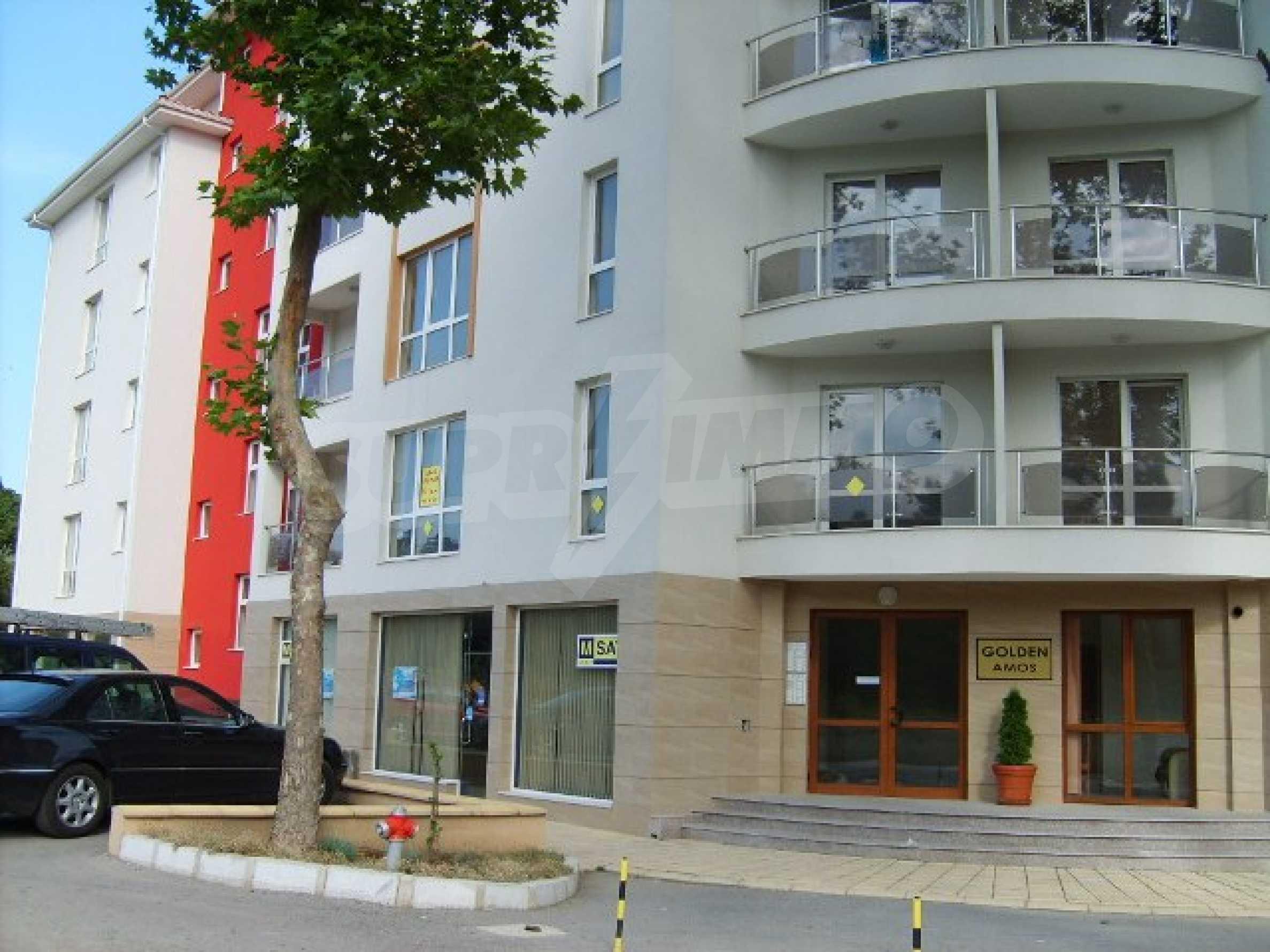 Элитная квартира, расположенная на море в курорте 2