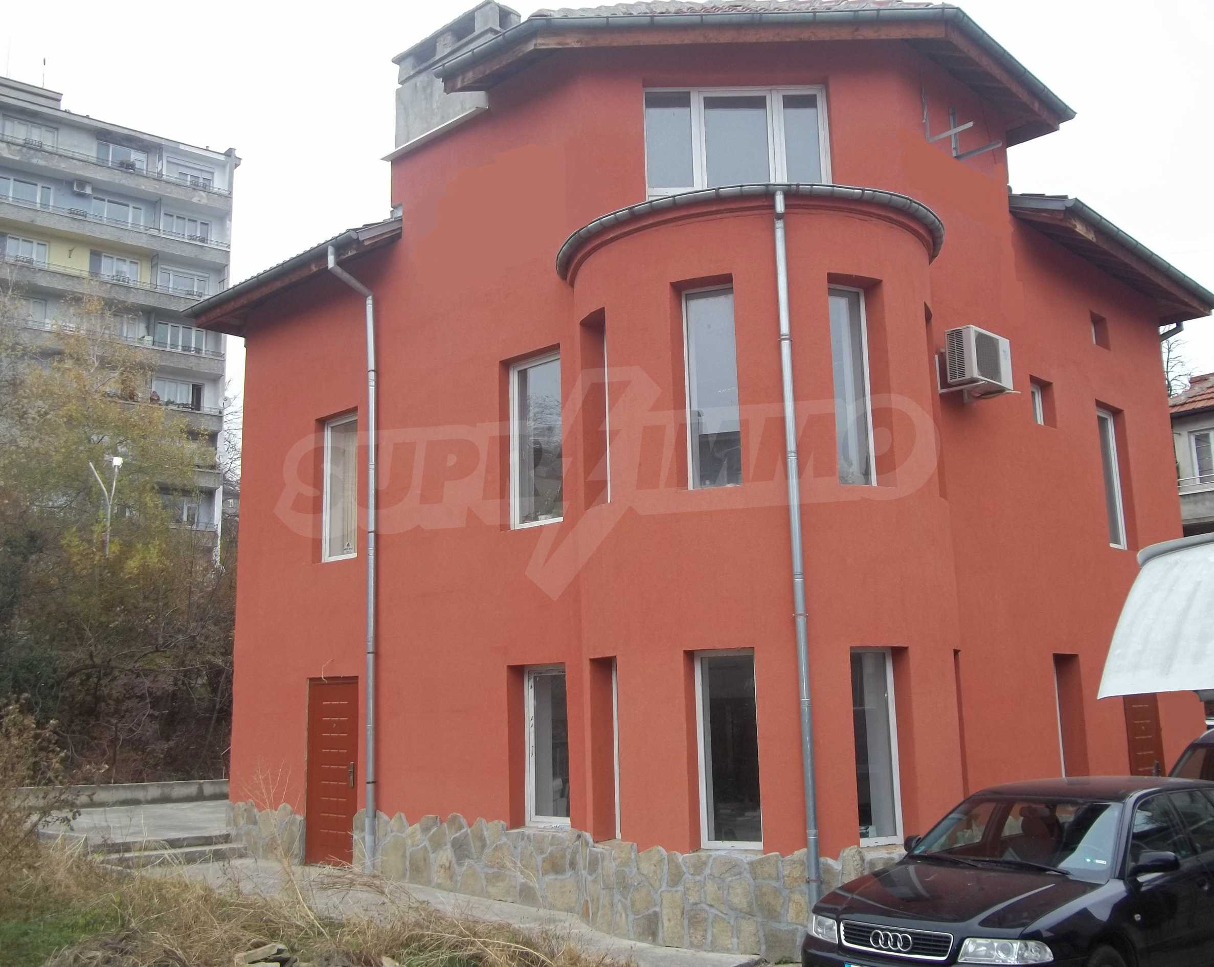 Renovated three-storey house in the center of Gabrovo