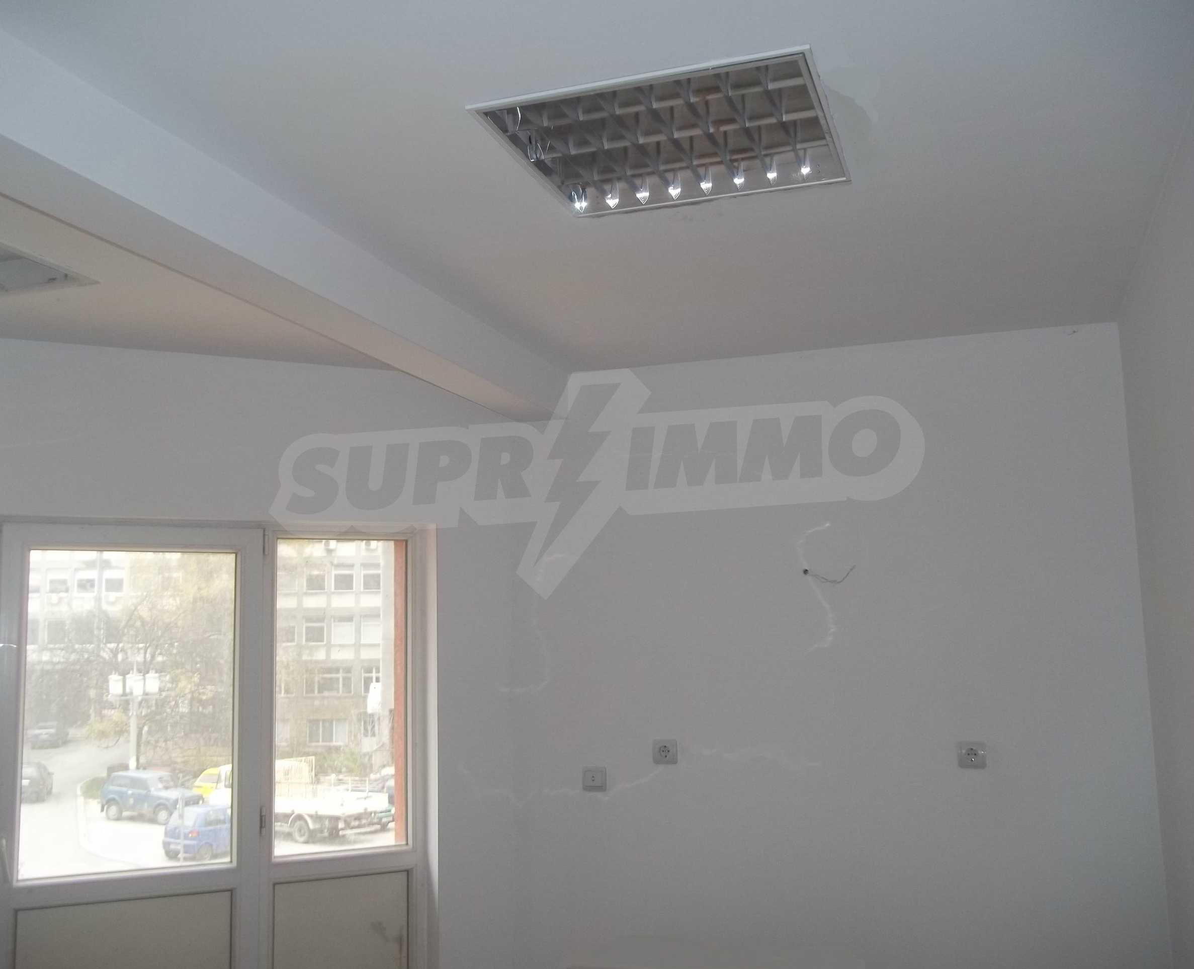 Renovated three-storey house in the center of Gabrovo 11