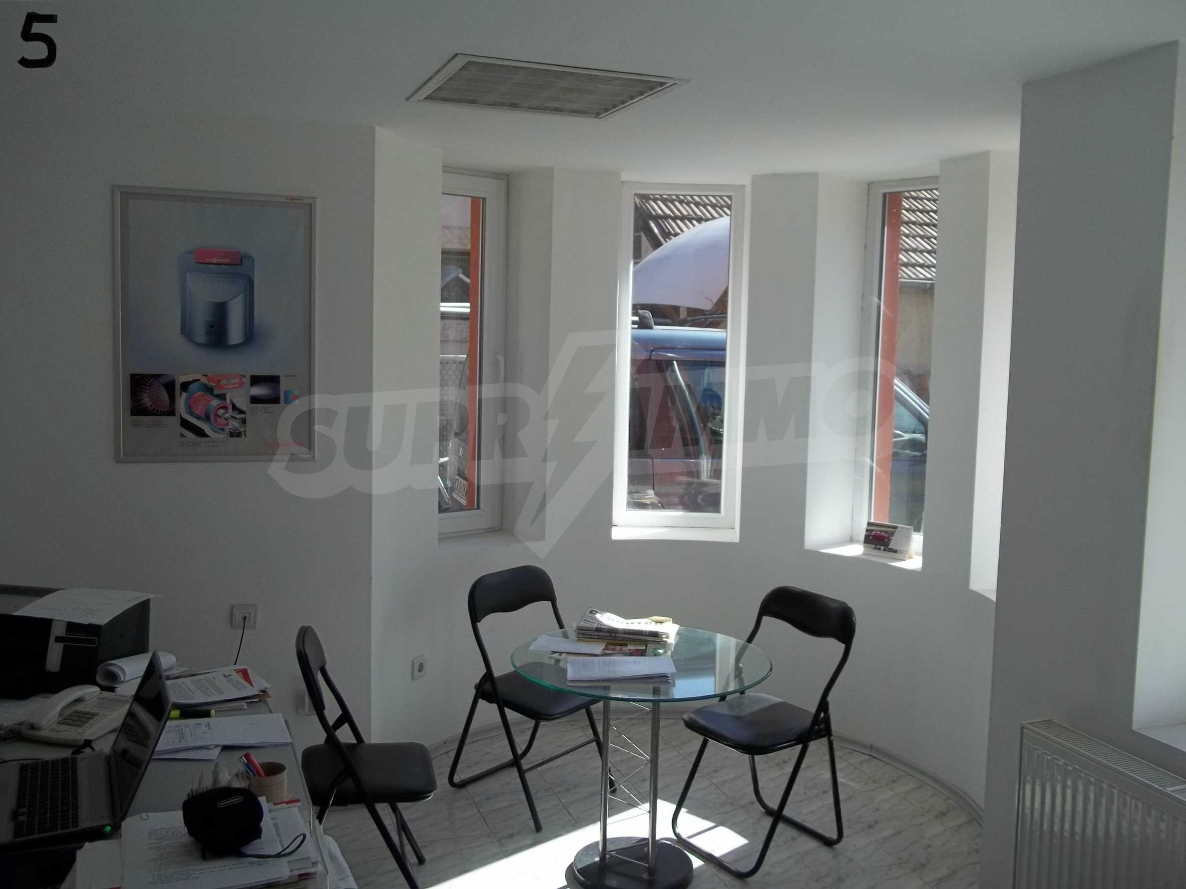 Renovated three-storey house in the center of Gabrovo 4
