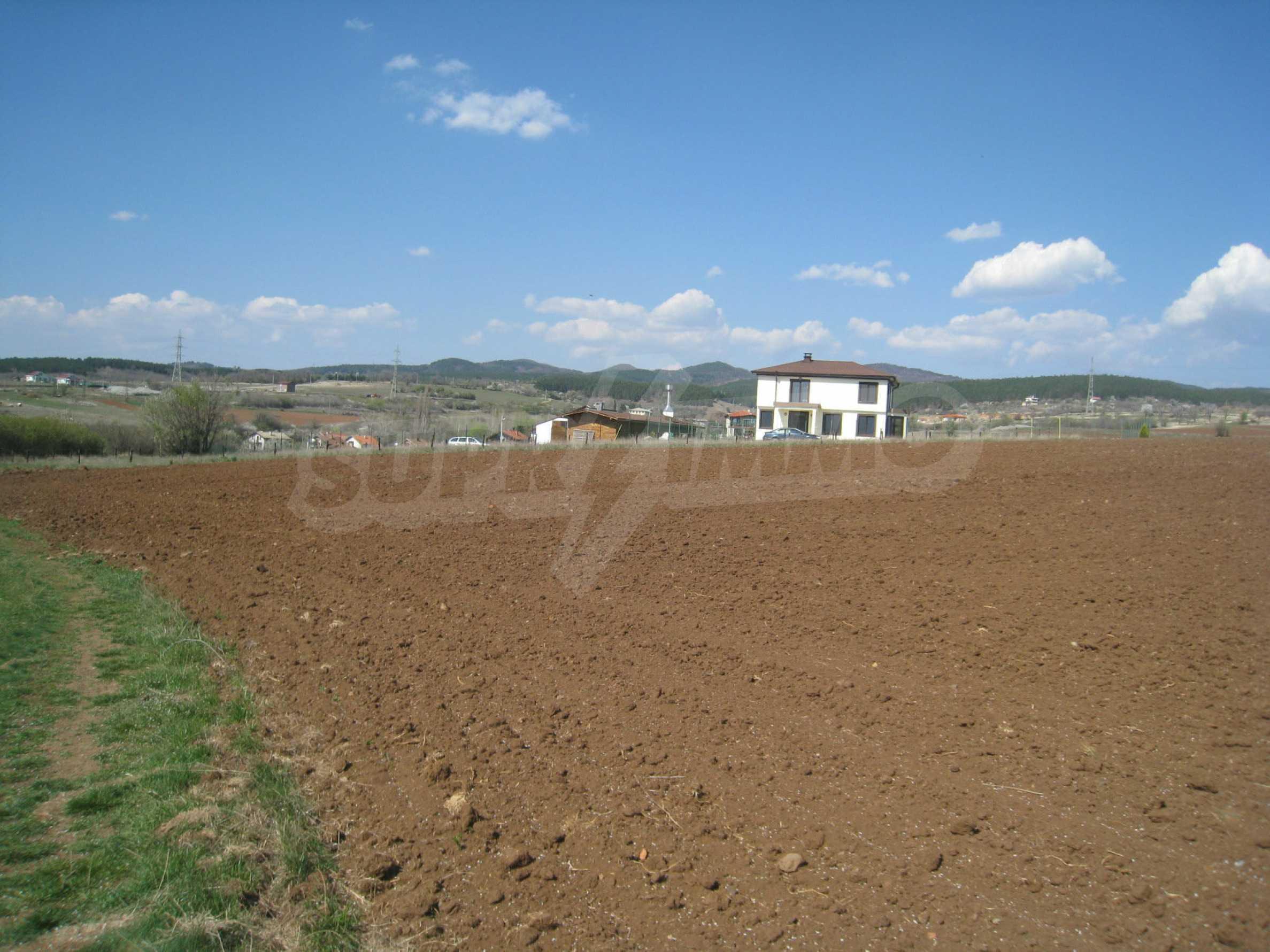 Attraktives Grundstück mit schnellem und einfachem Zugang zur Hauptstadt Sofia 1