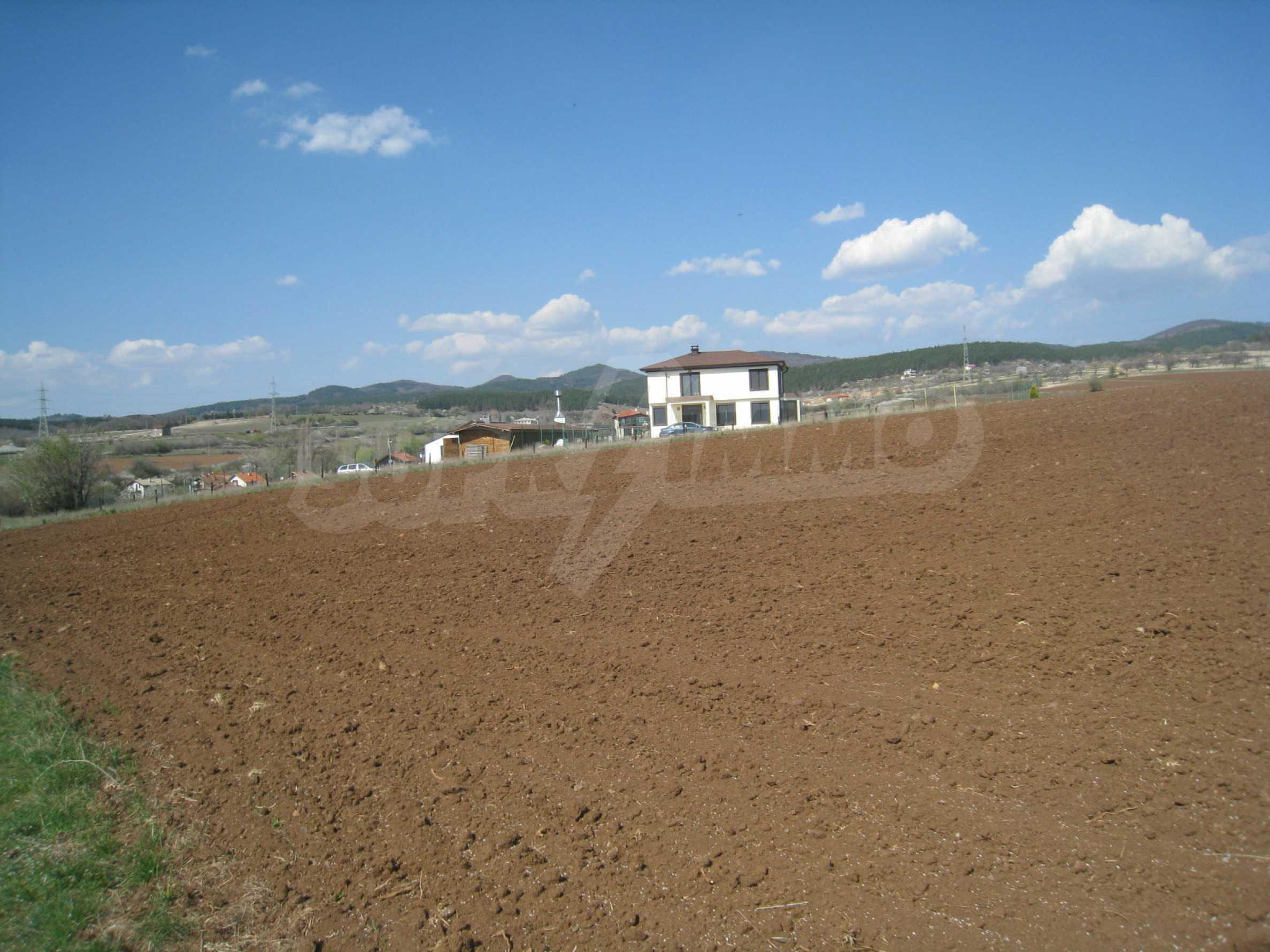 Attraktives Grundstück mit schnellem und einfachem Zugang zur Hauptstadt Sofia 3
