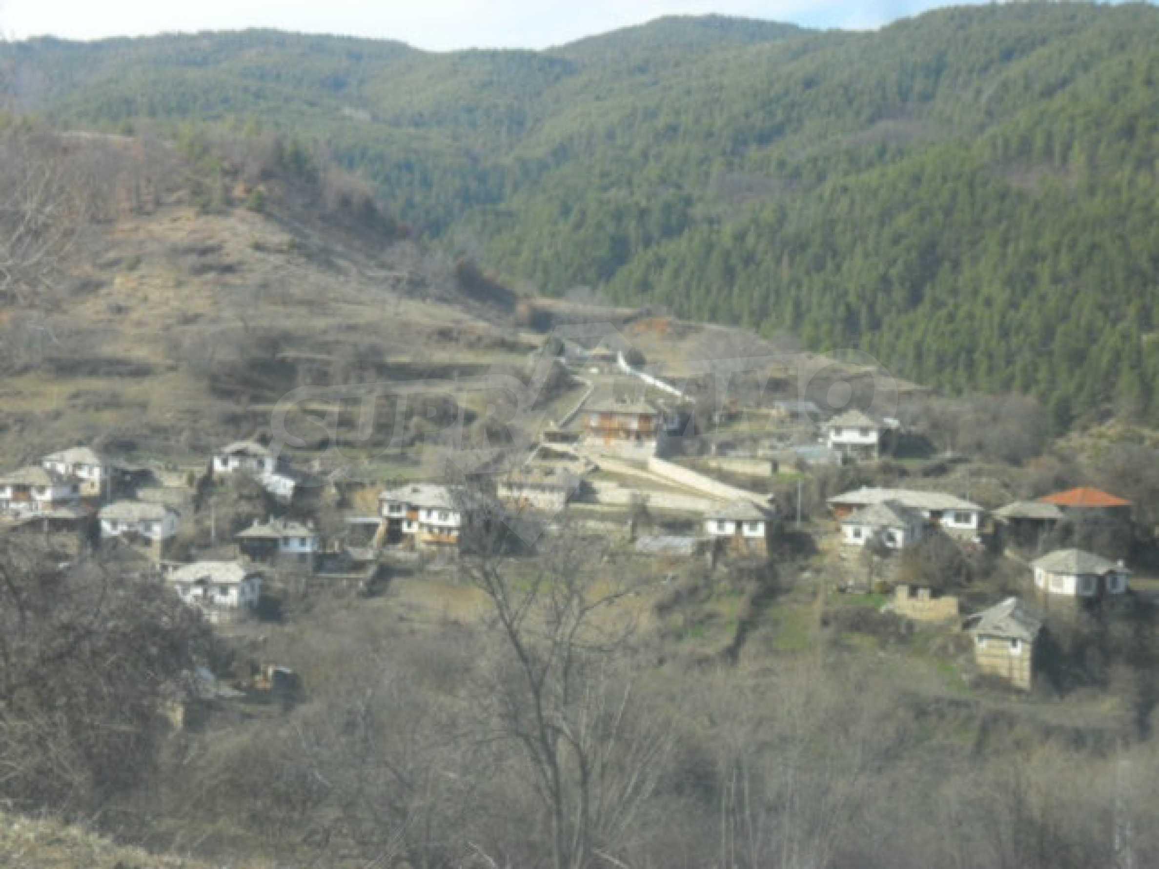Industriegebäude mit Gelände 10
