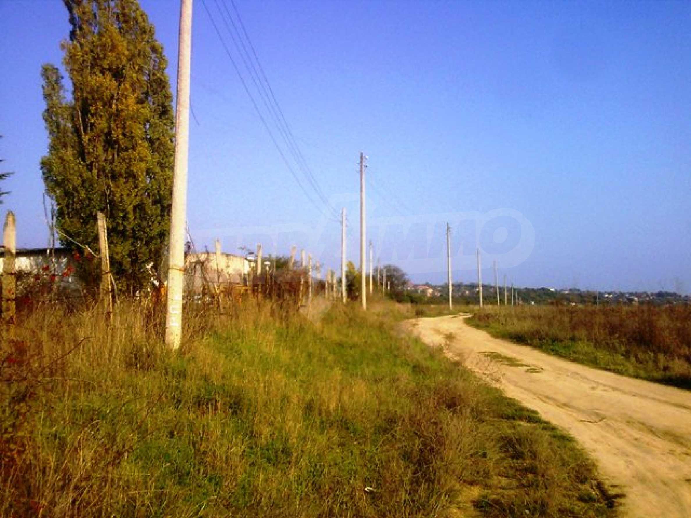 Сельскохозяйственные земли на продажу недалеко от Варны 5
