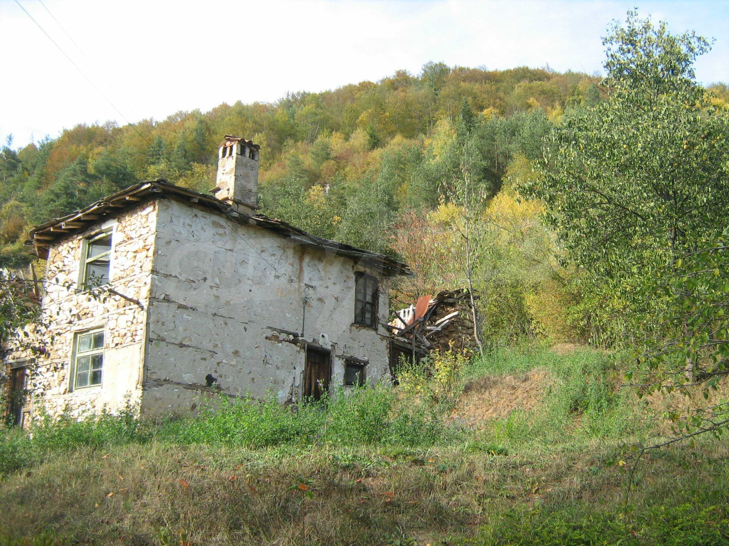 Picturesque regulated plot for private house near Smolyan 2