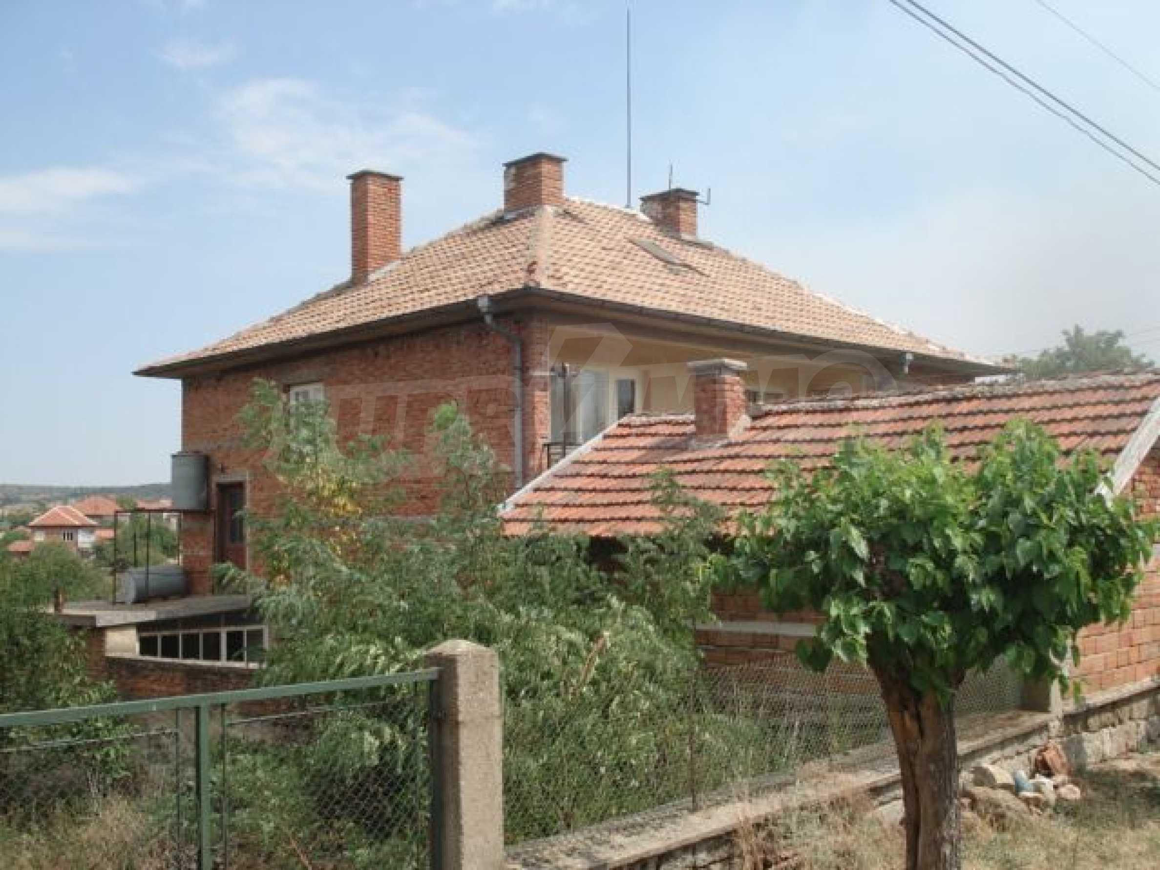 Дом вблизи г. Хасково 3
