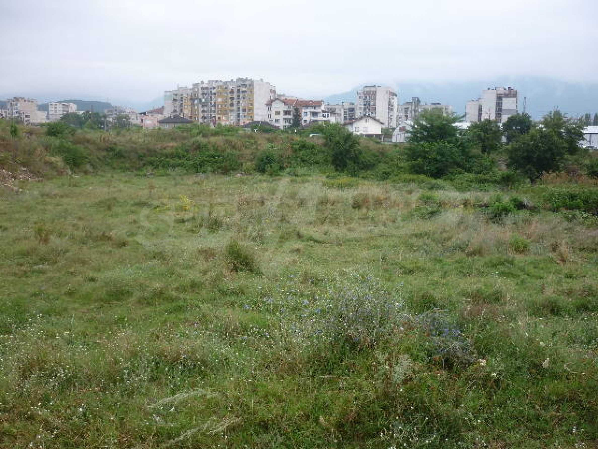 Large plot of land suitable for development 5