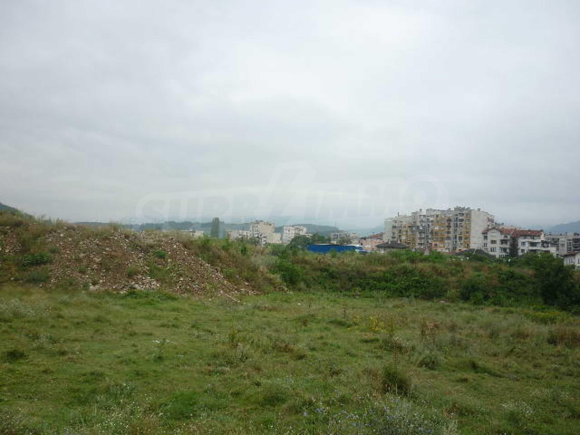 Large plot of land suitable for development 6