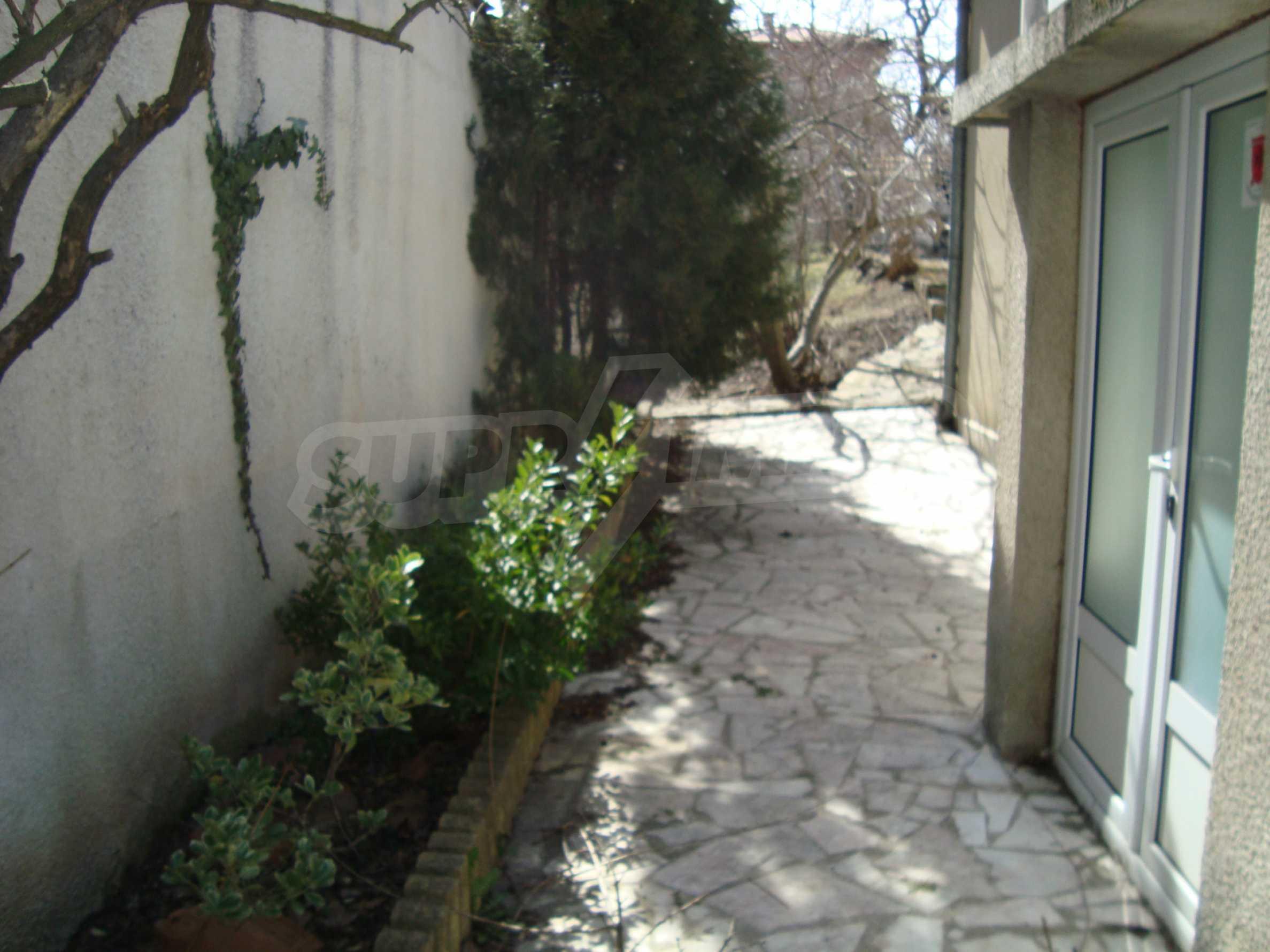 Haus zum Verkauf im Zentrum von Lozenets 3