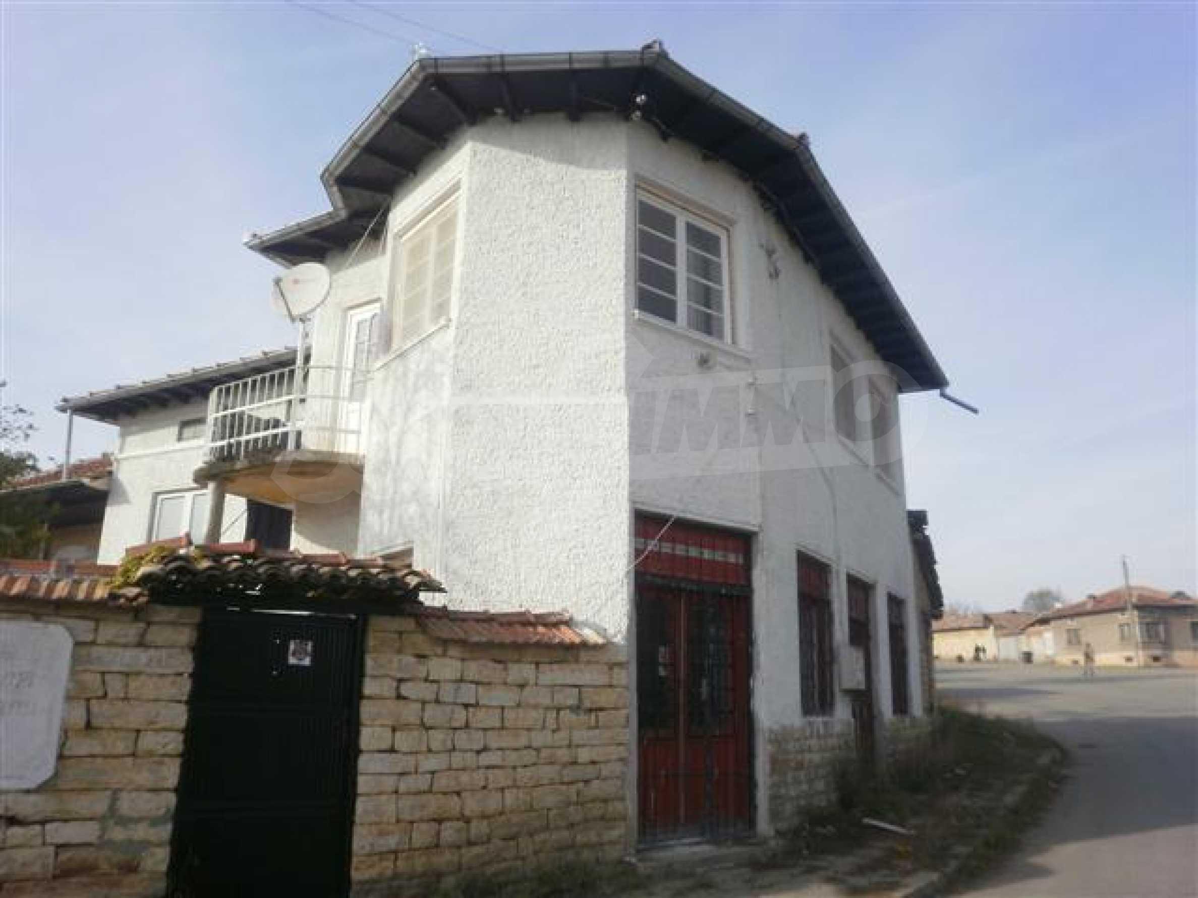 Хубава селска къща с двор и потнциал за развитие 1