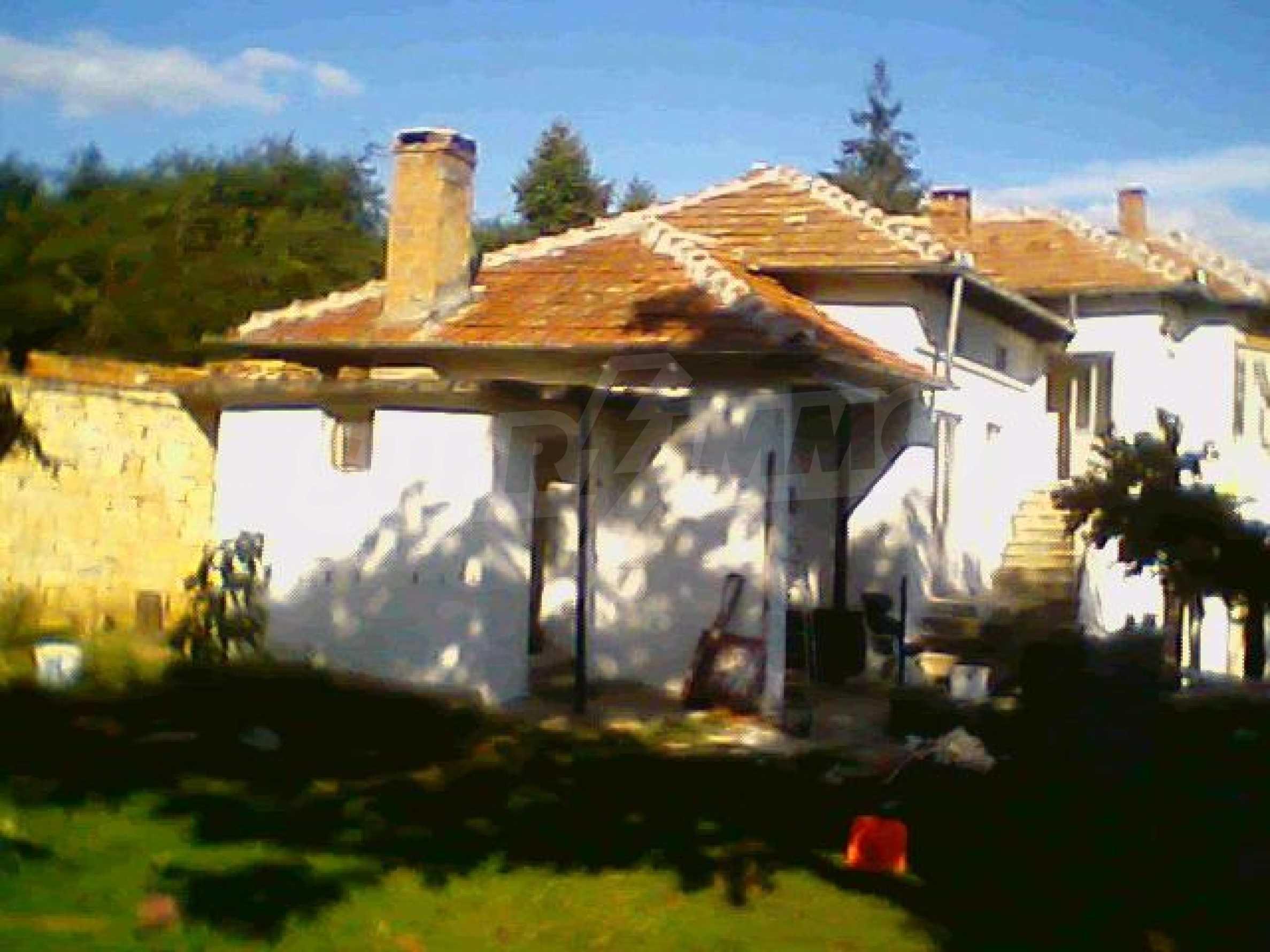 Хубава селска къща с двор и потнциал за развитие 41