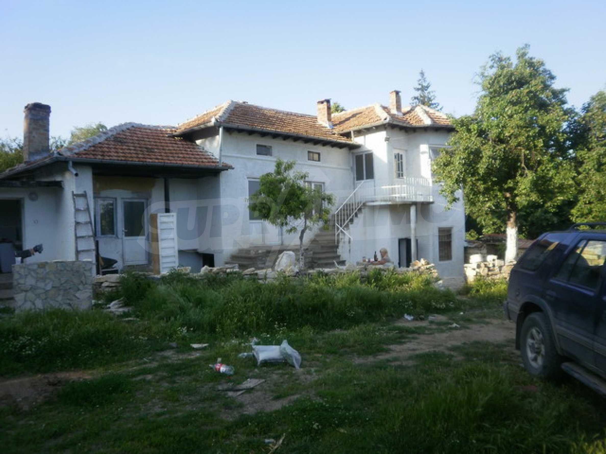 Хубава селска къща с двор и потнциал за развитие 5
