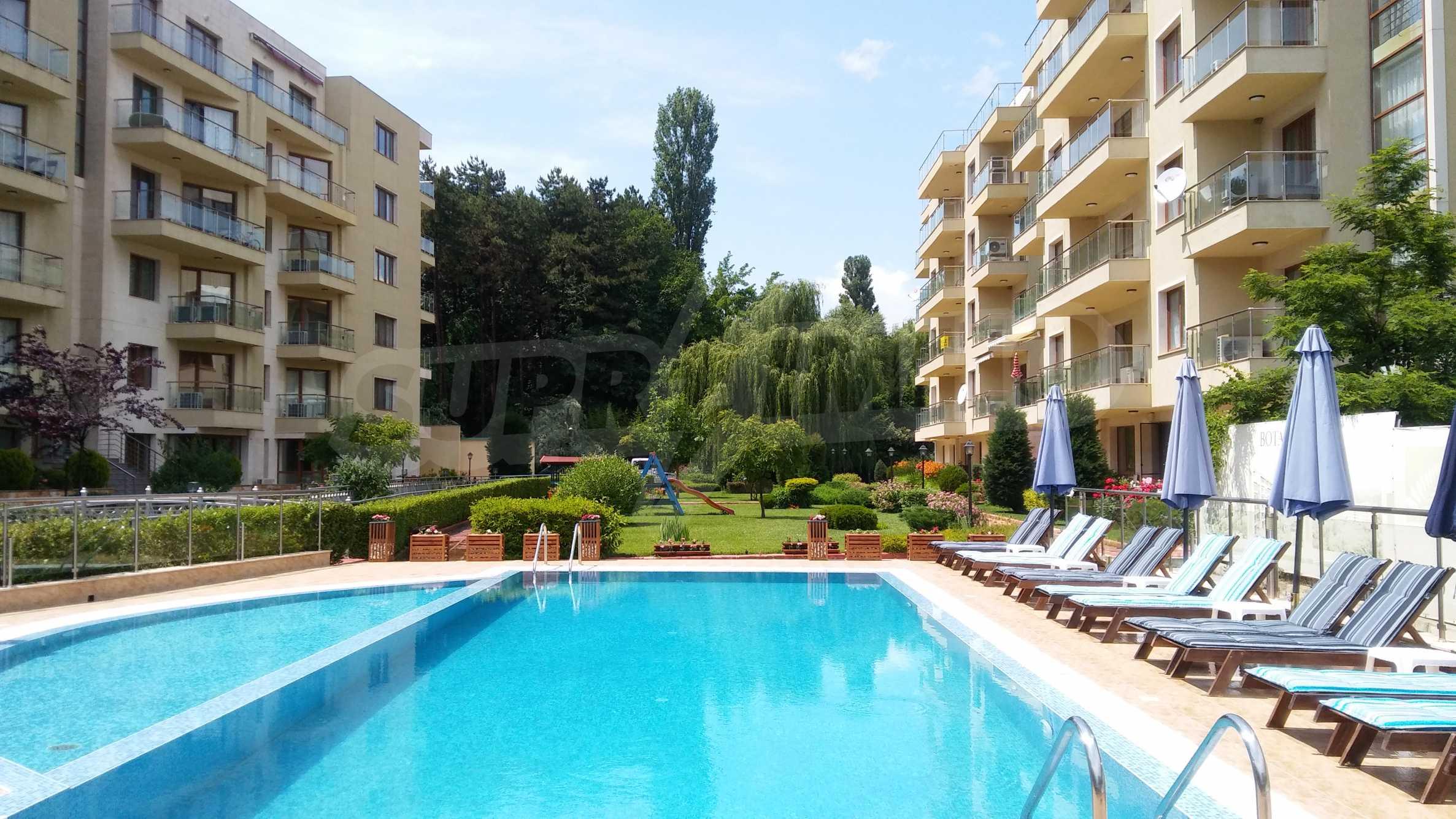 """Apartments """"schlüsselfertig"""" in einem Komplex in der Nähe des Botanischen Gartens und St. Konstantin und Helena"""