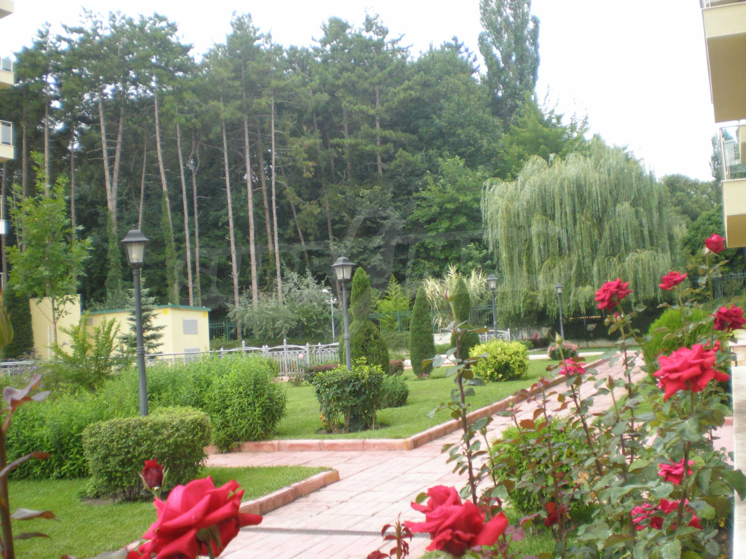 Апартаменти до ключ в комплекс до Ботаническата градина и Св. Константин и Елена 16