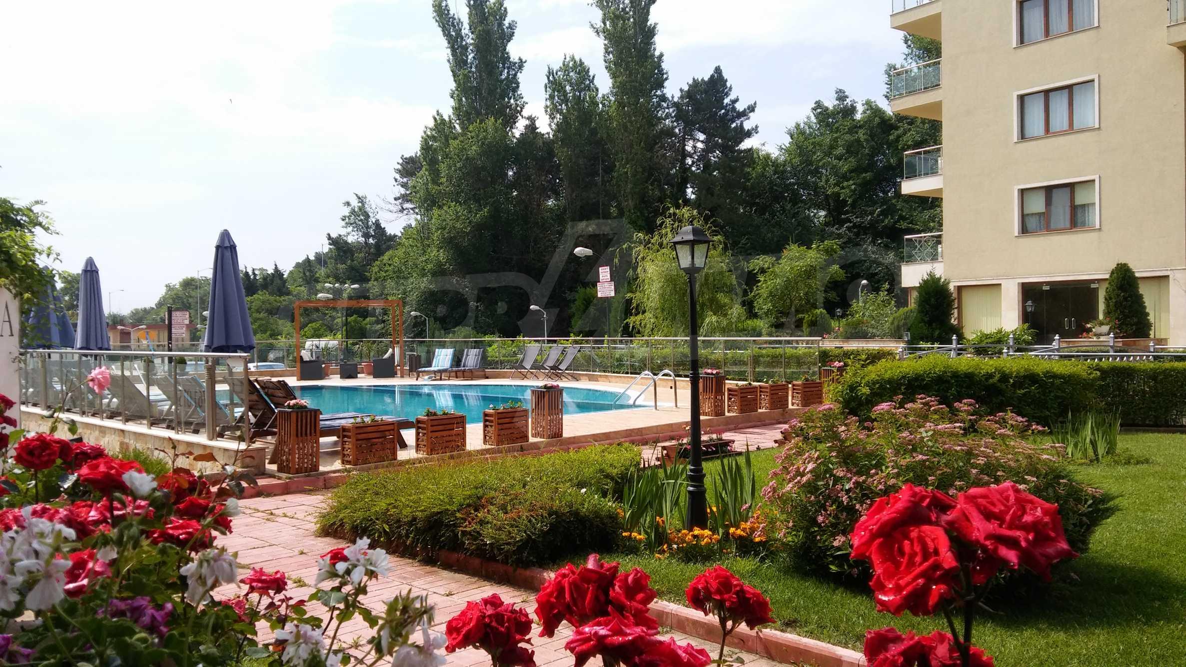 Апартаменти до ключ в комплекс до Ботаническата градина и Св. Константин и Елена 1