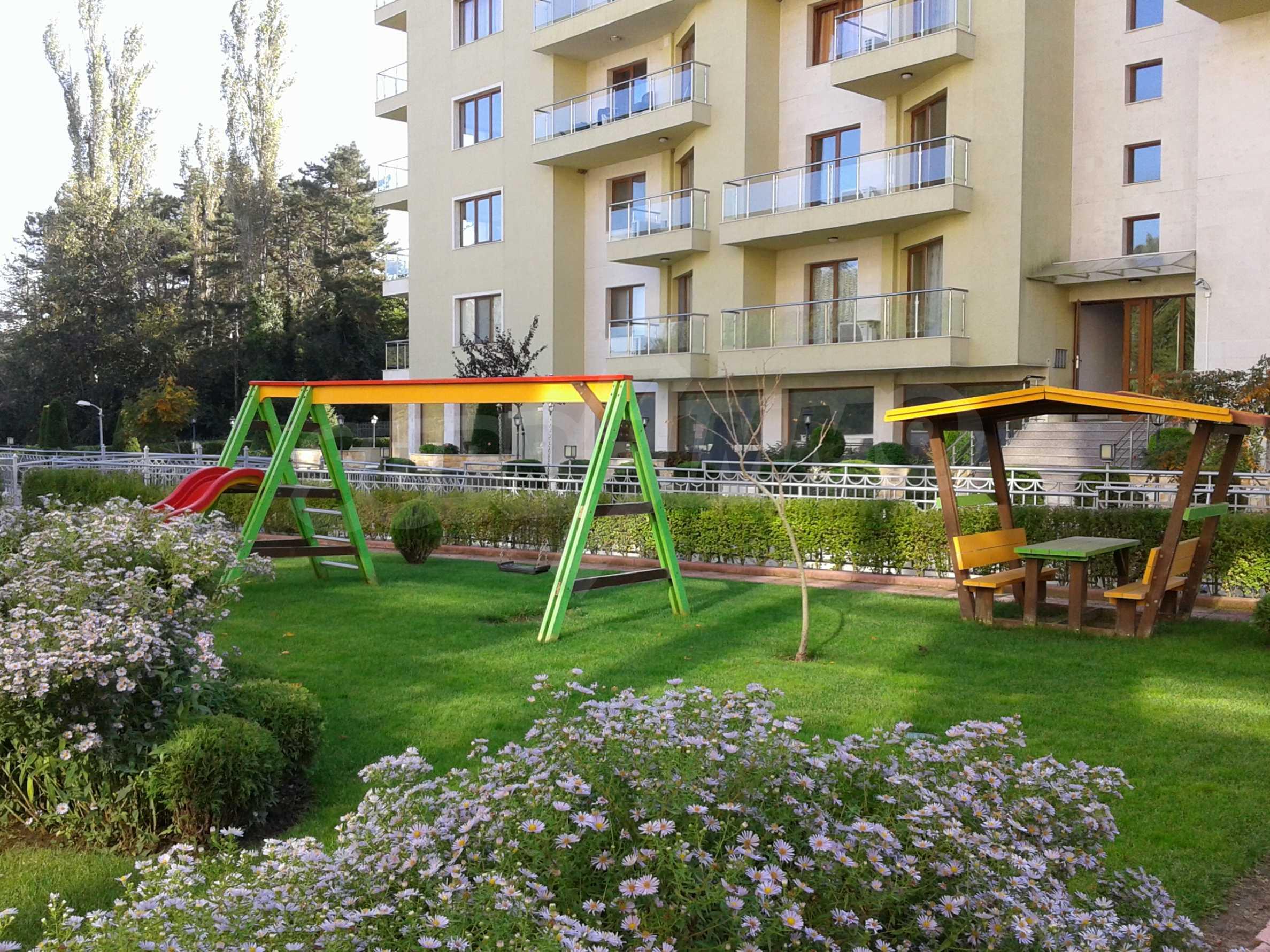 Апартаменти до ключ в комплекс до Ботаническата градина и Св. Константин и Елена 2