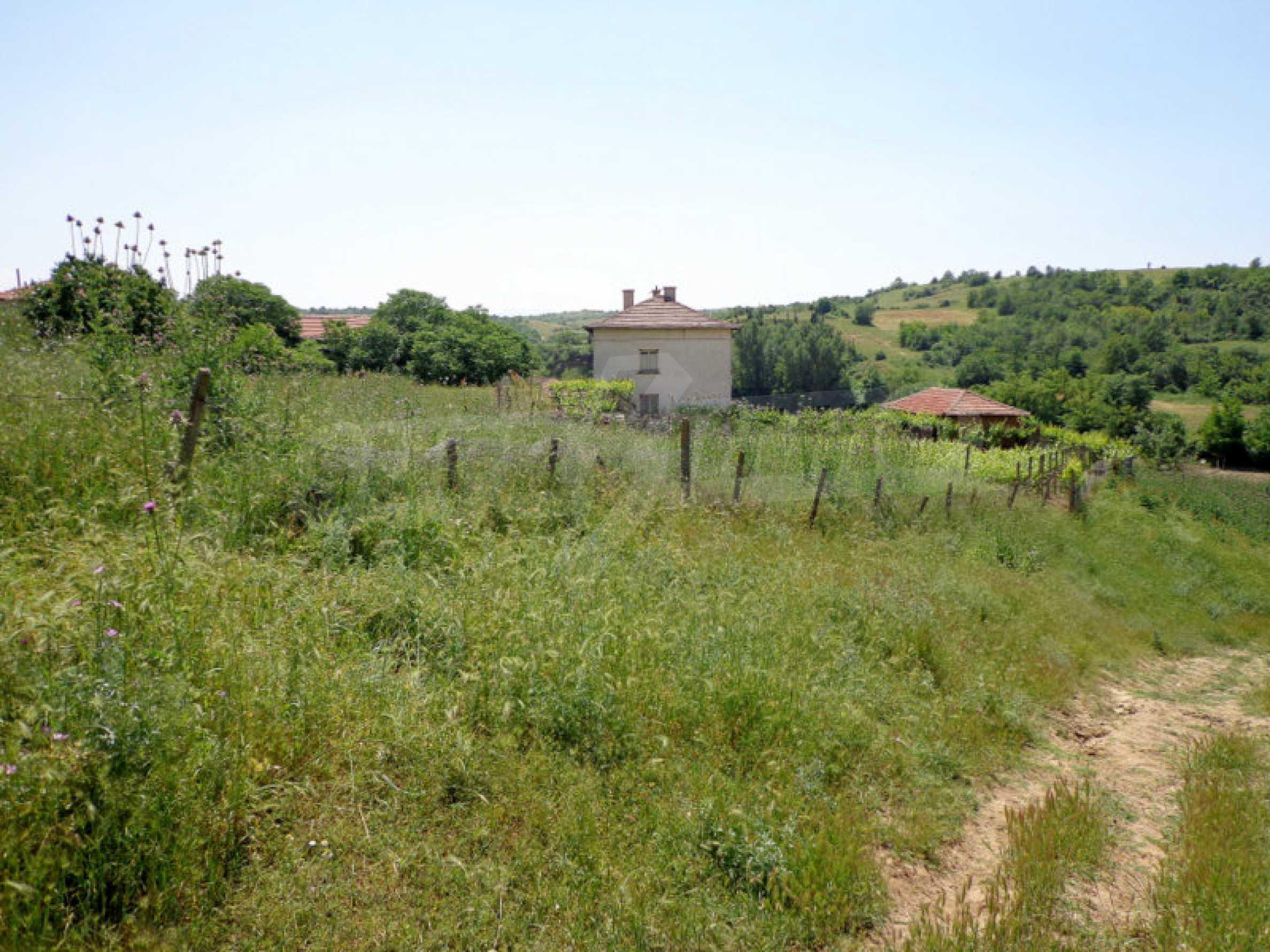 Grundstück zum Verkauf in einem malerischen Dorf 12 km von Sandanski entfernt