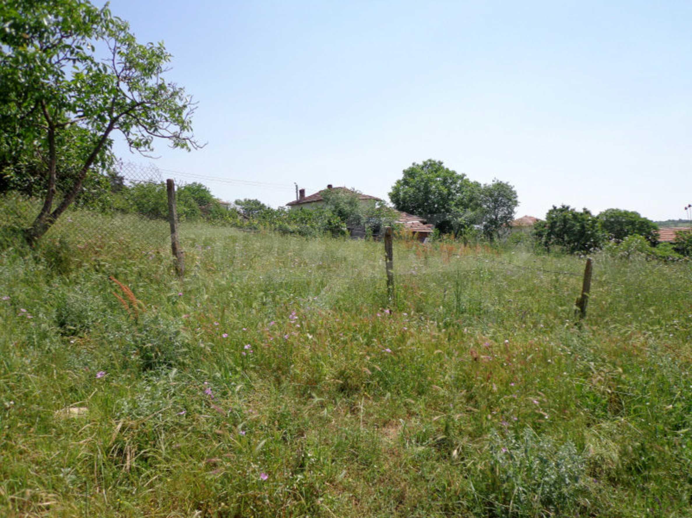 Grundstück zum Verkauf in einem malerischen Dorf 12 km von Sandanski entfernt 1