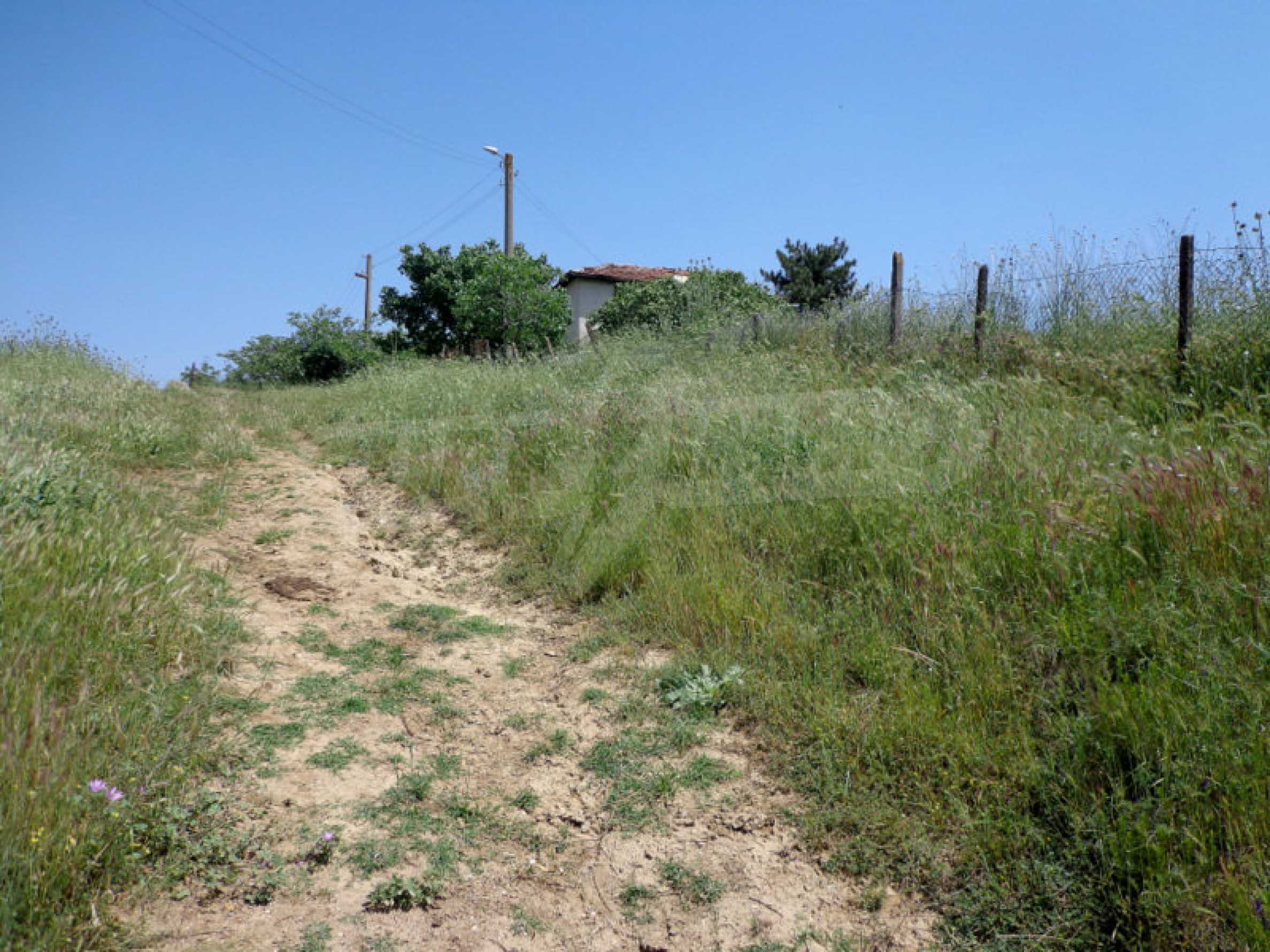 Grundstück zum Verkauf in einem malerischen Dorf 12 km von Sandanski entfernt 2