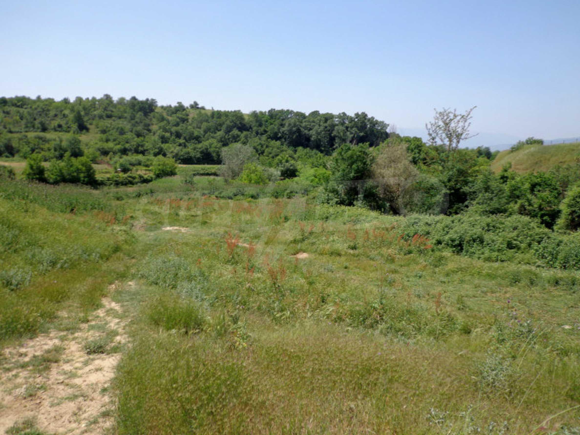 Grundstück zum Verkauf in einem malerischen Dorf 12 km von Sandanski entfernt 3