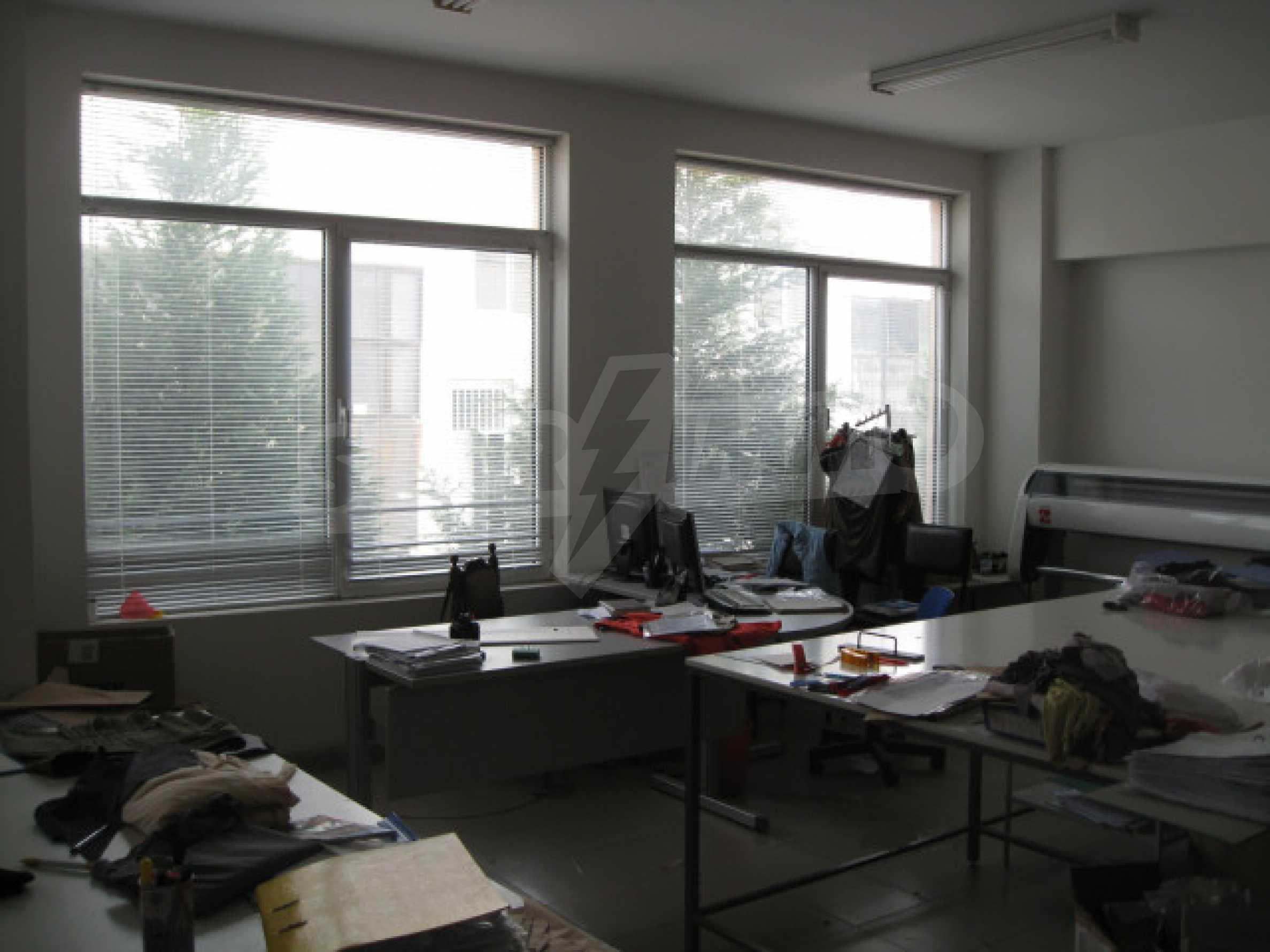 Промышленное здание в центре Благоевграда 13
