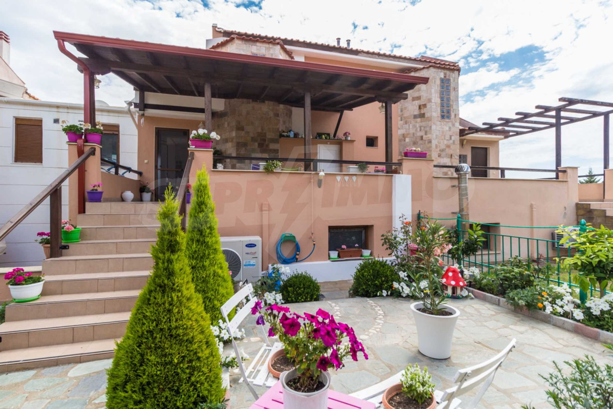 Къща  в  Акти Салоникю 1