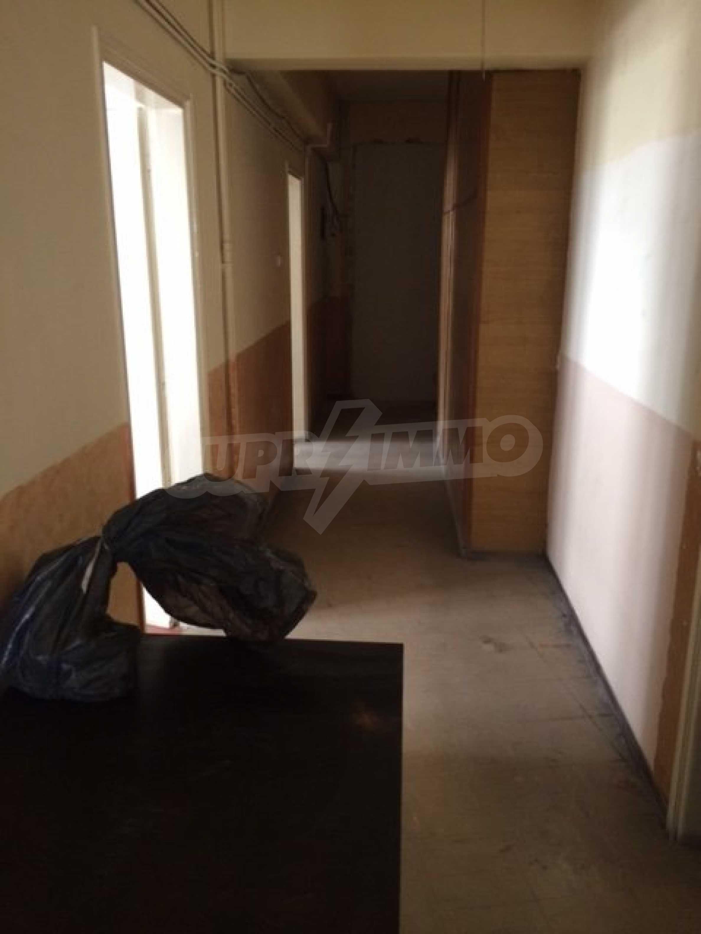Четиристаен апартамент в Кавала 3