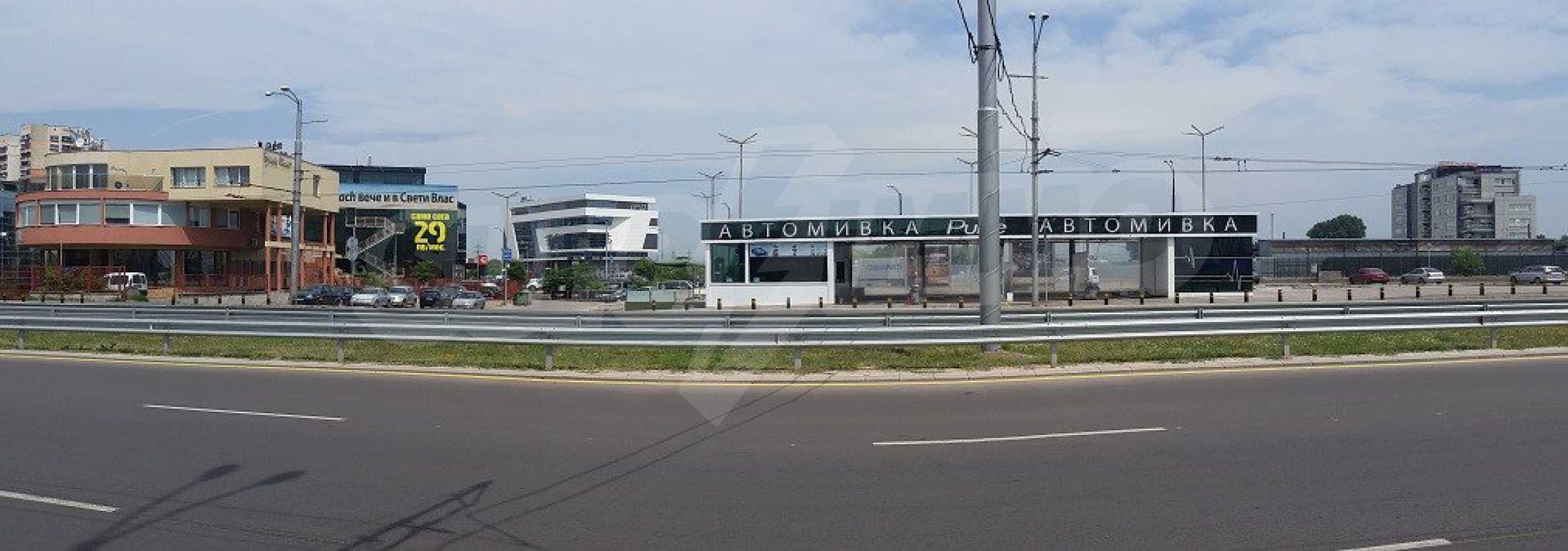 Парцел с проект за офисна сграда в София 2