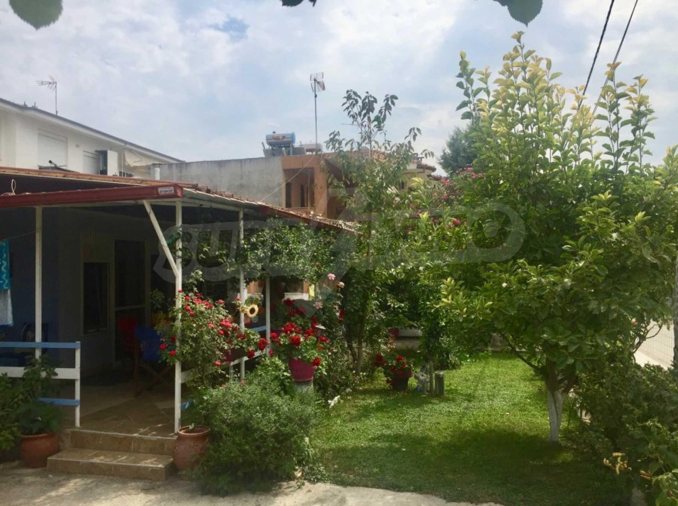 Къща с две спални и прекрасна градина 15