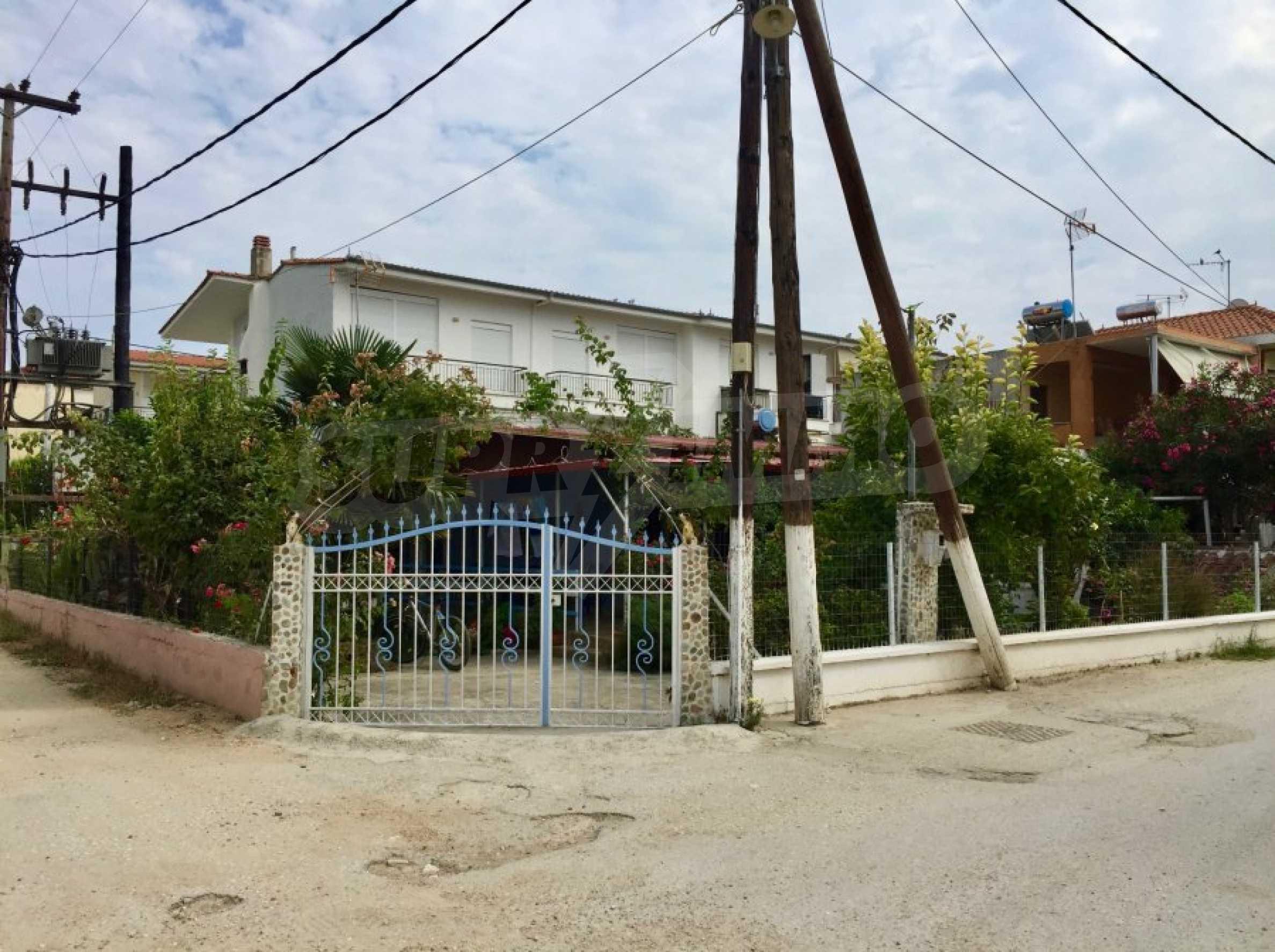Къща с две спални и прекрасна градина 16