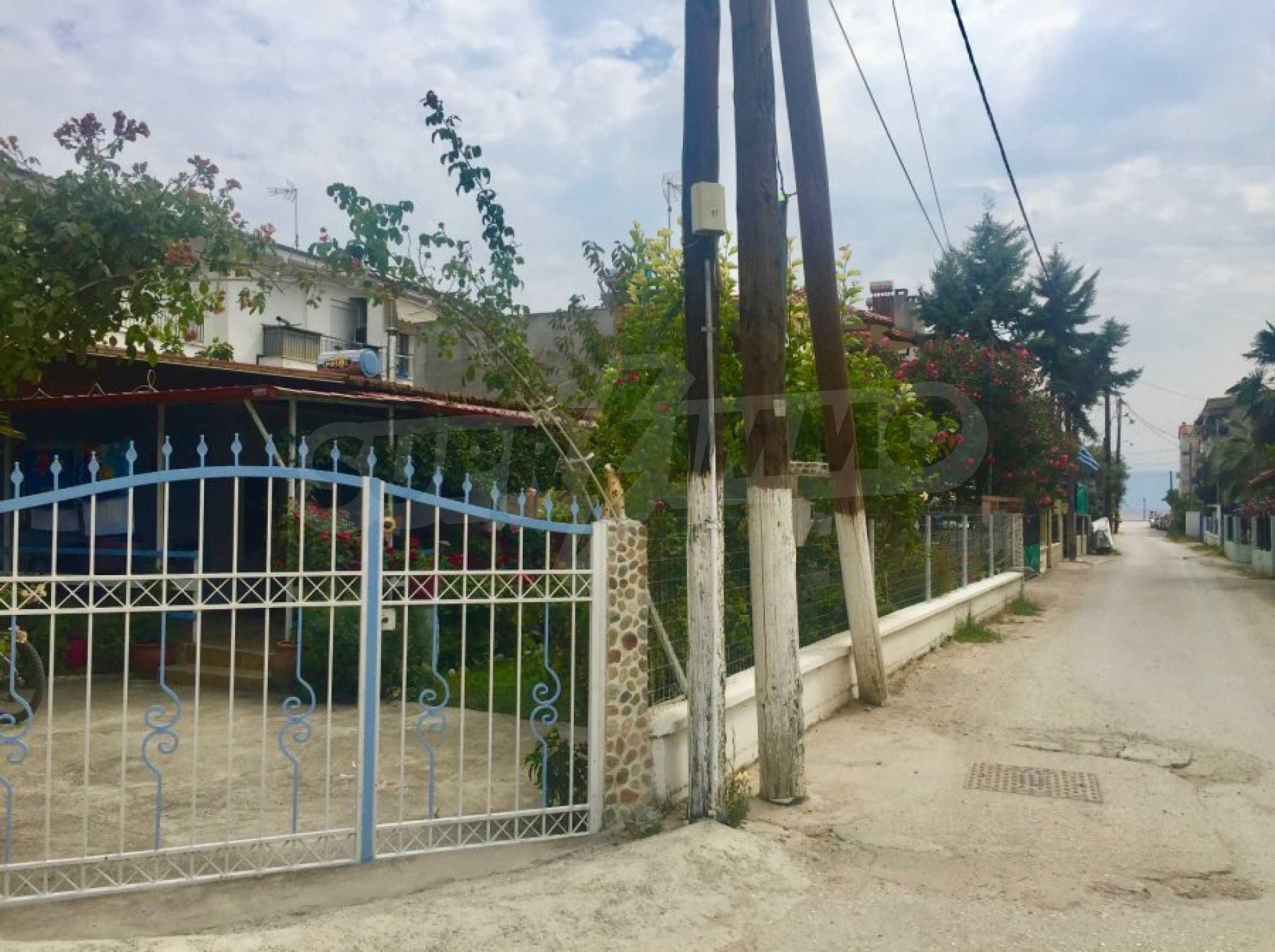 Къща с две спални и прекрасна градина 2
