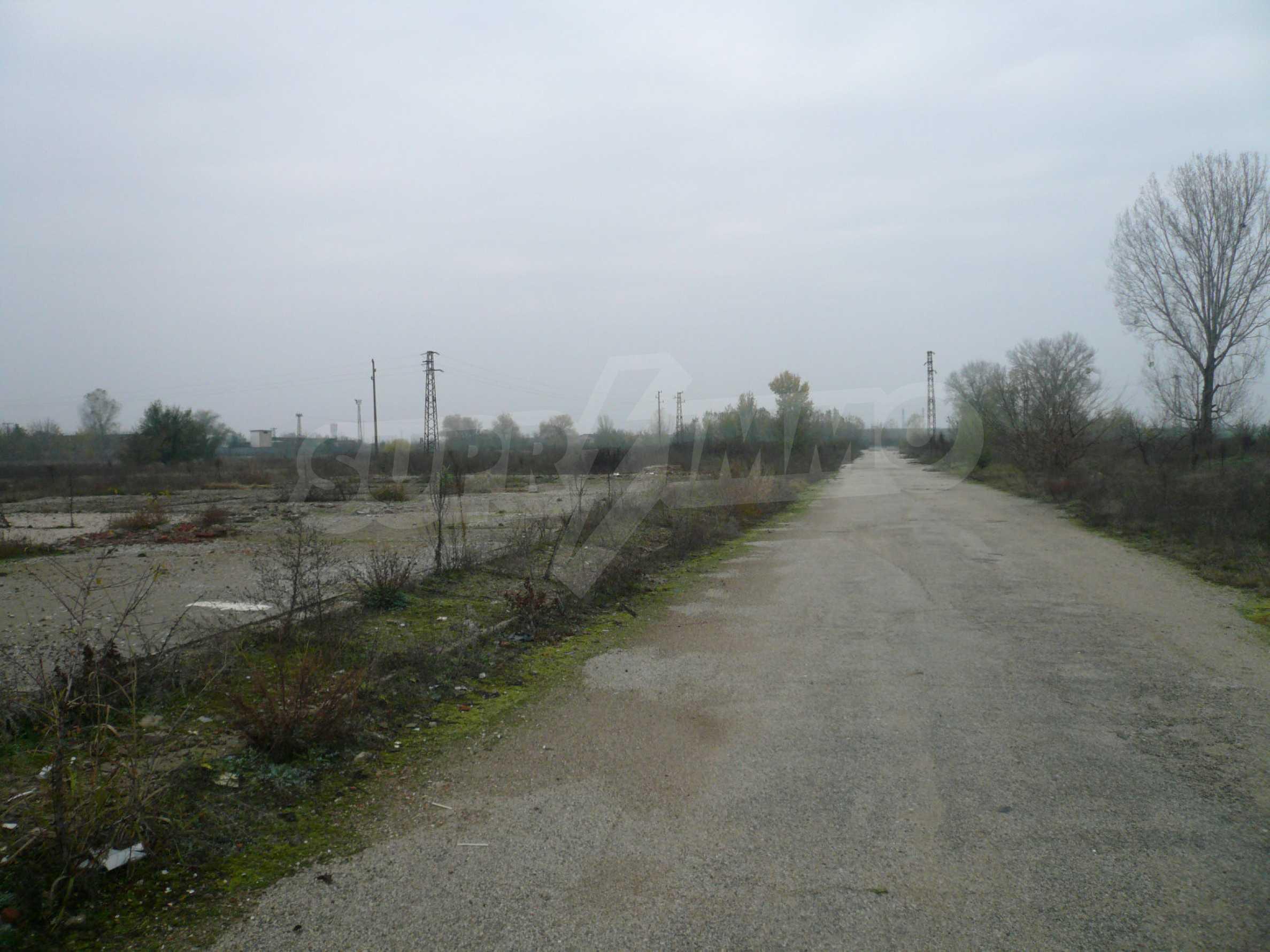 Großes reguliertes Grundstück im Industriegebiet von Vidin 1