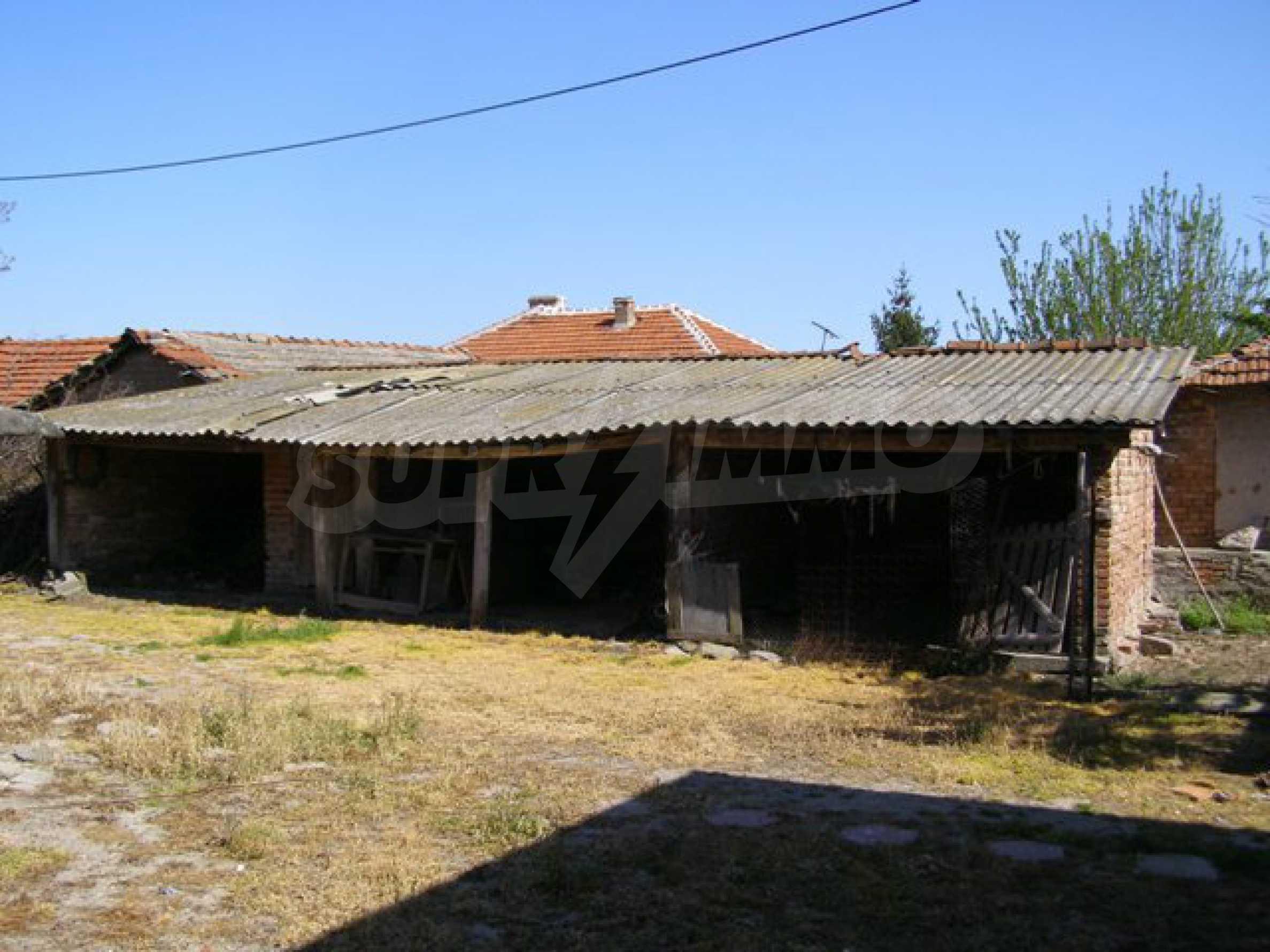Großes einstöckiges Haus mit Hof in Simeonovgrad 20