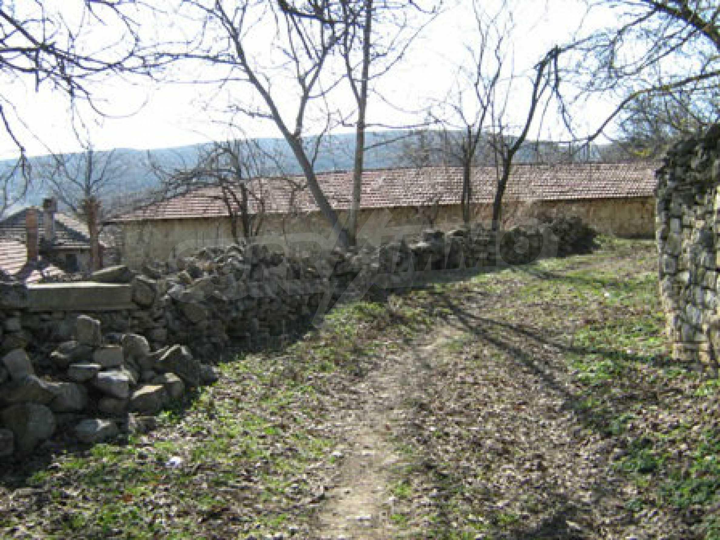 Ein altes authentisches Haus mit einem großen Garten in der Nähe der alten Hauptstadt 10