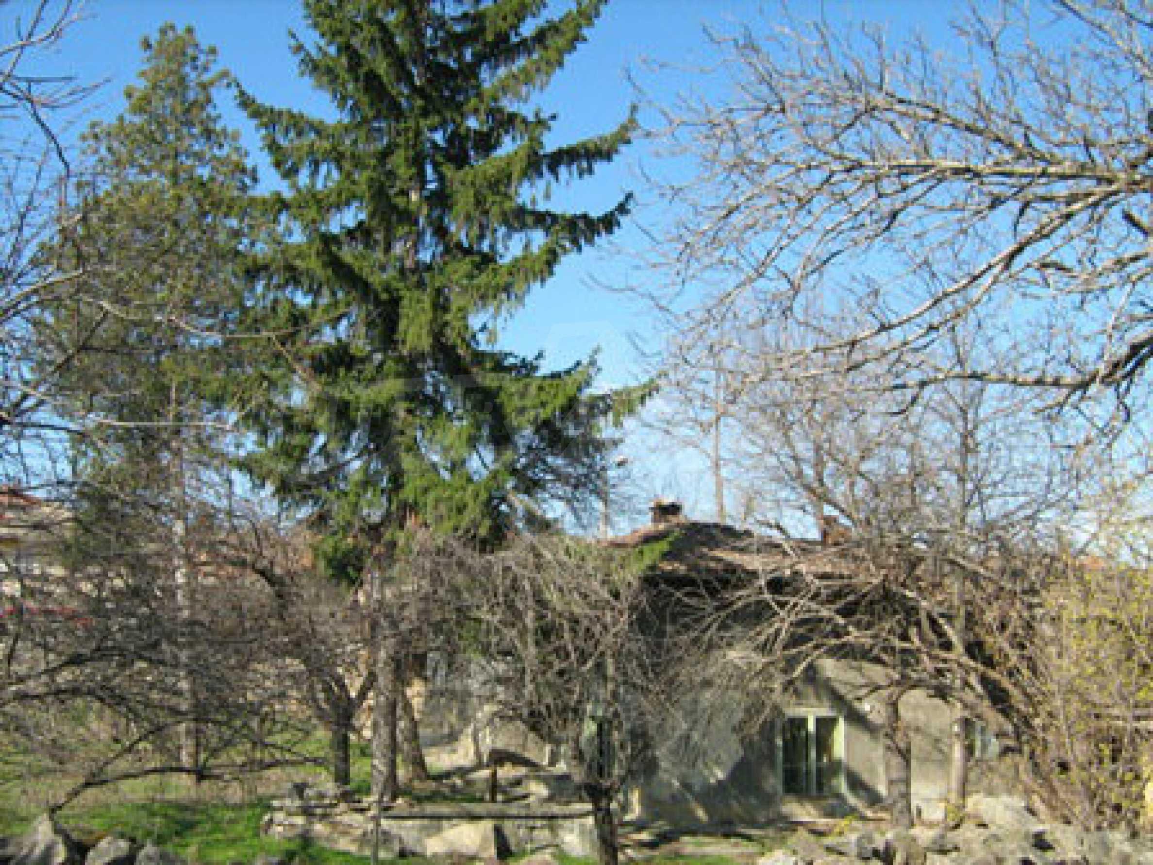 Ein altes authentisches Haus mit einem großen Garten in der Nähe der alten Hauptstadt 4
